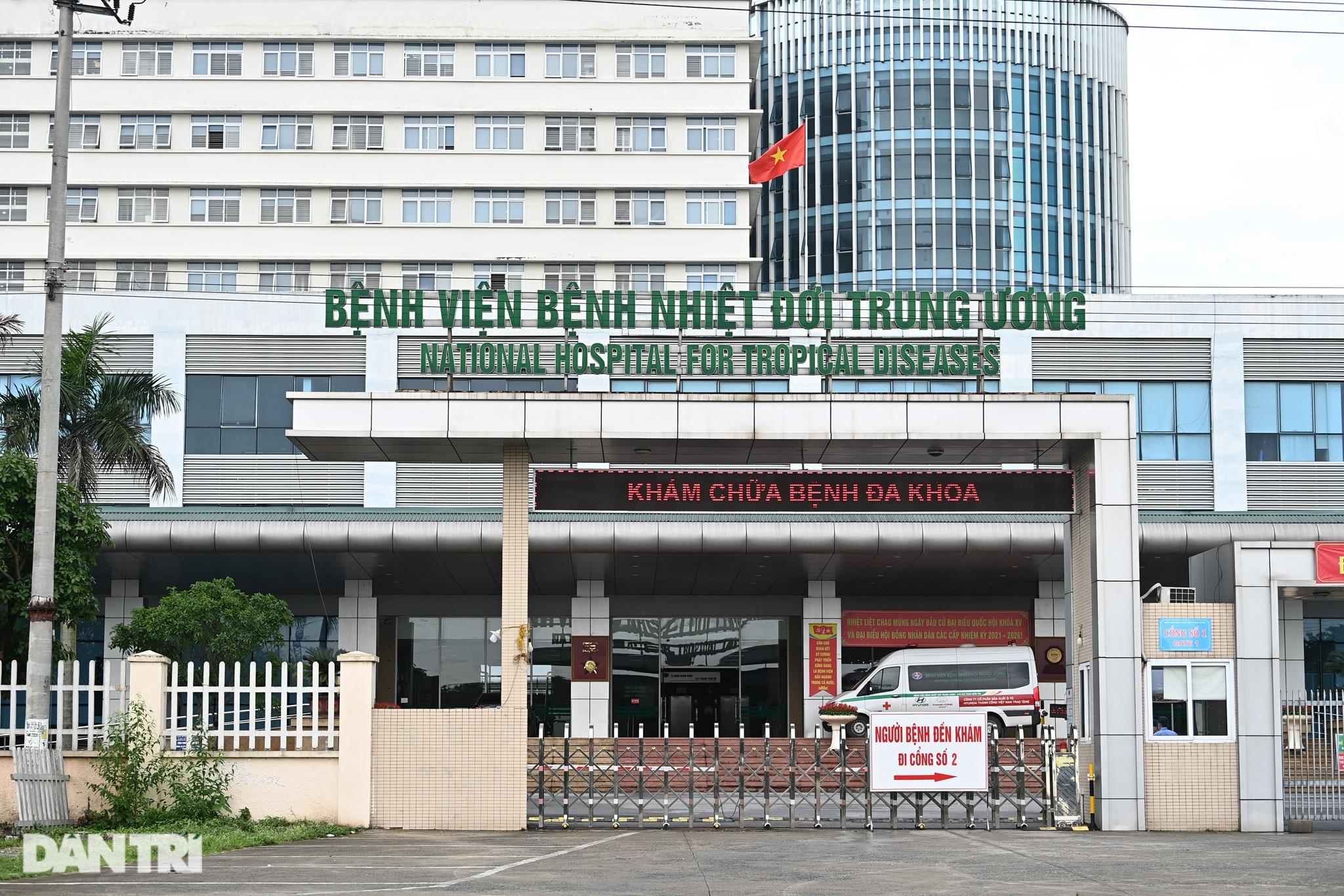 Nội bất xuất, ngoại bất nhập khi phong tỏa Bệnh viện Bệnh Nhiệt đới TƯ 2 - 3