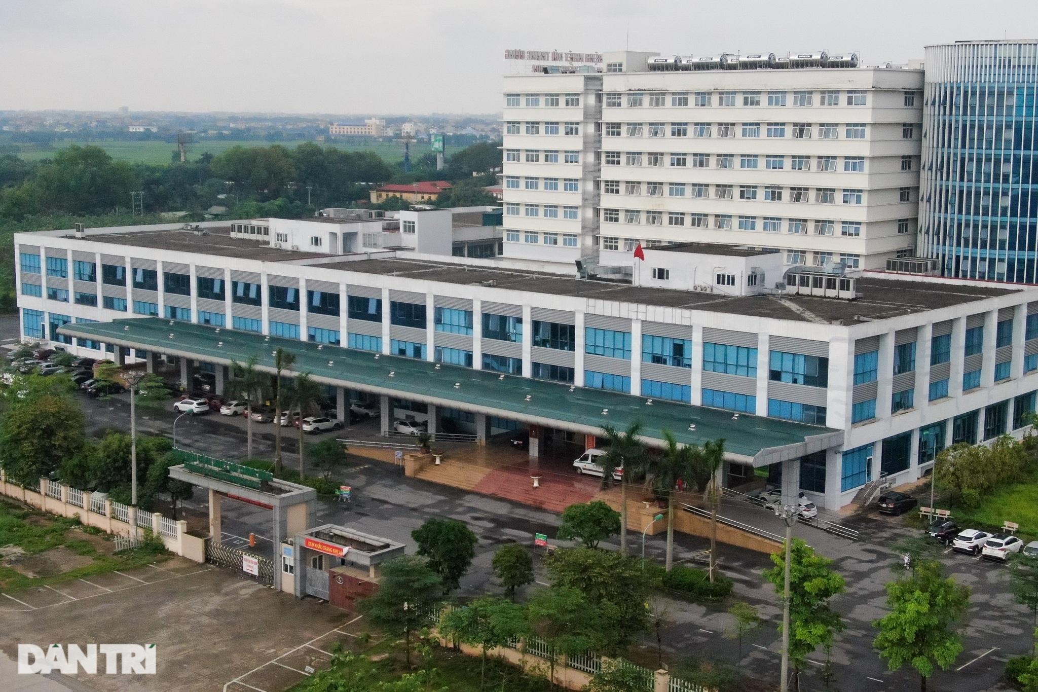Nội bất xuất, ngoại bất nhập khi phong tỏa Bệnh viện Bệnh Nhiệt đới TƯ 2 - 1