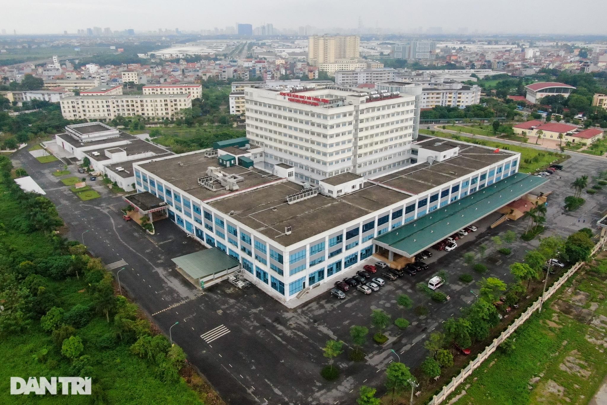 Nội bất xuất, ngoại bất nhập khi phong tỏa Bệnh viện Bệnh Nhiệt đới TƯ 2 - 5