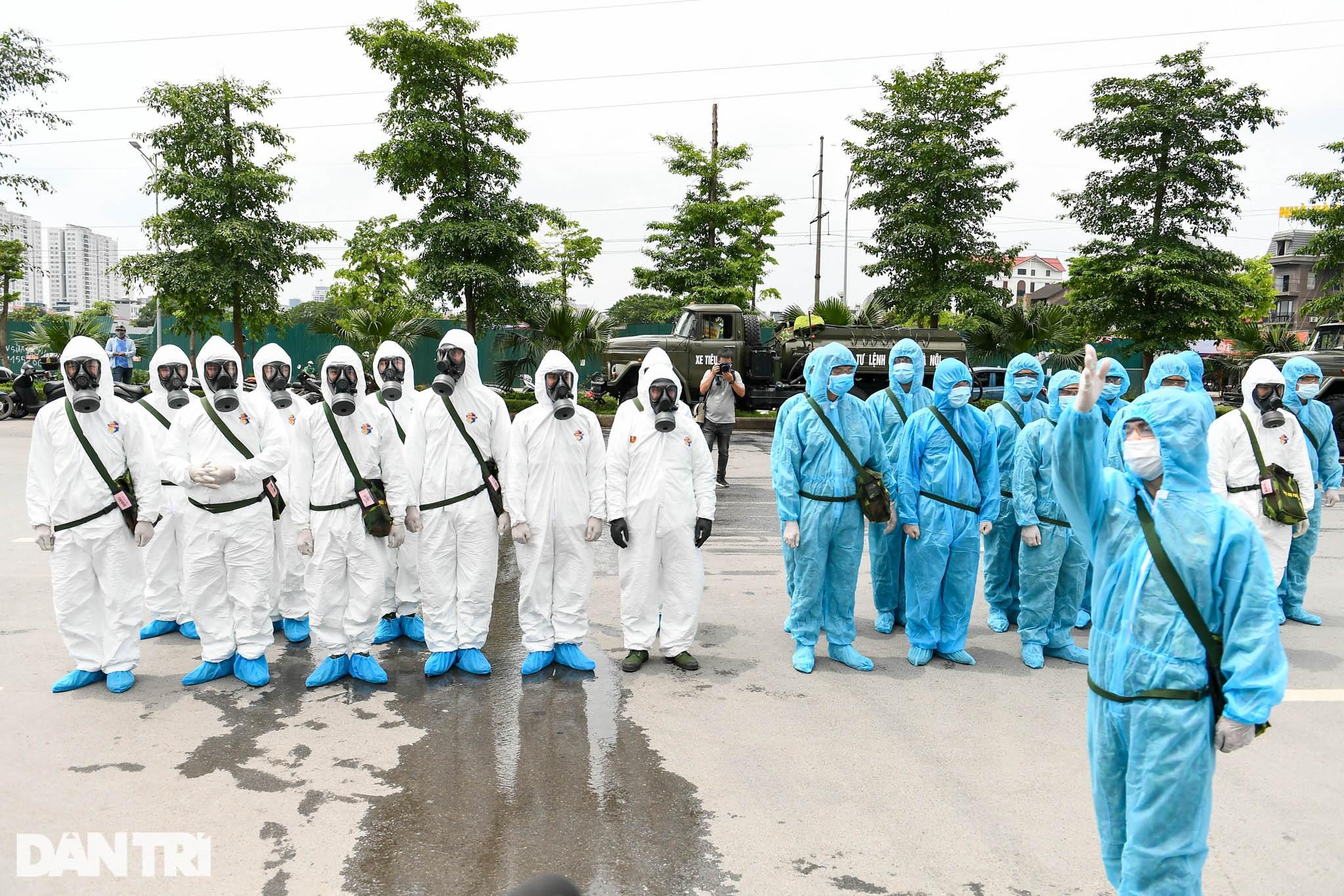 Khẩn cấp phun khử khuẩn, tiêu độc toàn bộ Bệnh viện K cơ sở Tân Triều - 1