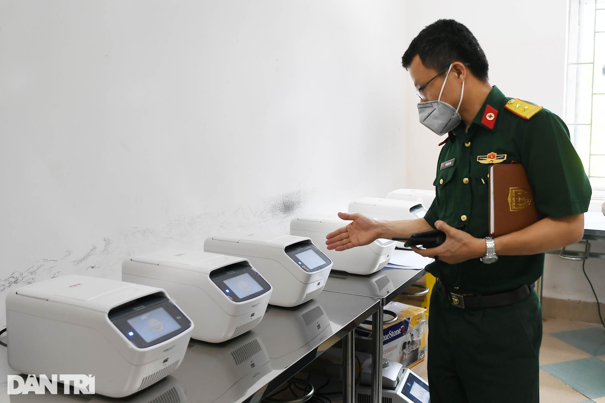 Cận cảnh khu xét nghiệm lớn nhất Việt Nam, cao điểm xử lý 20.000 mẫu/ngày - 16