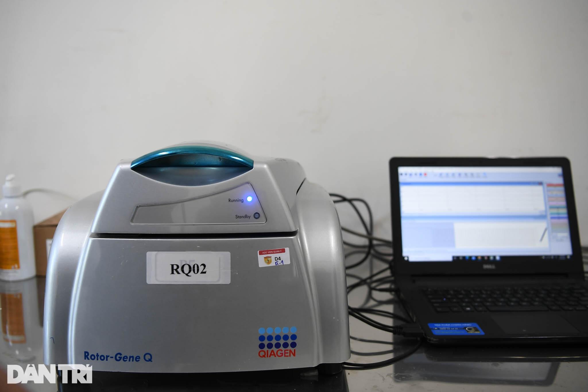 Cận cảnh khu xét nghiệm lớn nhất Việt Nam, cao điểm xử lý 20.000 mẫu/ngày - 17