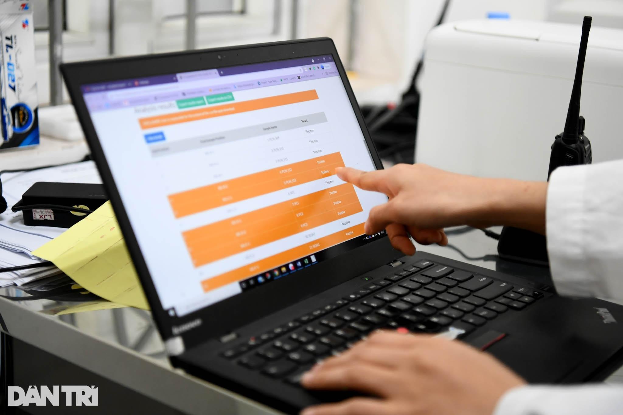 Cận cảnh khu xét nghiệm lớn nhất Việt Nam, cao điểm xử lý 20.000 mẫu/ngày - 18