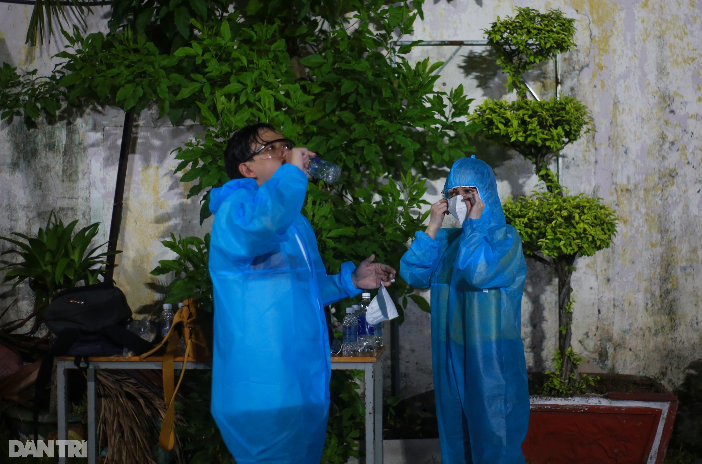 TPHCM: Trắng đêm xét nghiệm 50.000 người Gò Vấp tìm chuỗi lây ở hội thánh - 12