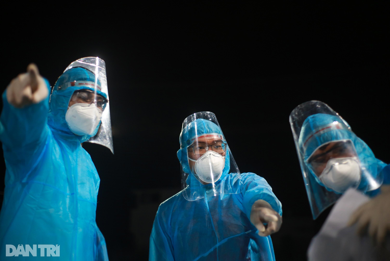 TPHCM: Trắng đêm xét nghiệm 50.000 người Gò Vấp tìm chuỗi lây ở hội thánh - 14