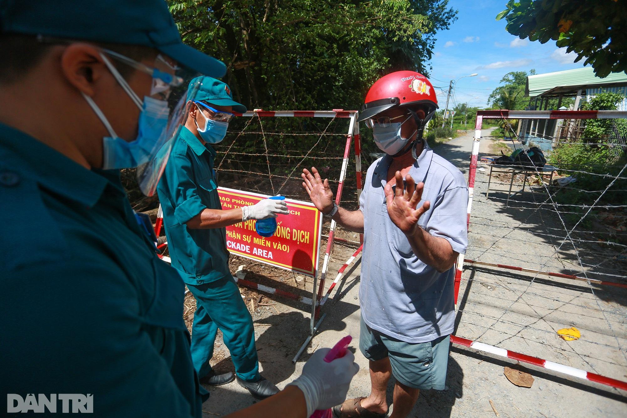Phong tỏa ổ dịch có 16 ca nhiễm SARS-CoV-2 trong khu hơn 1.000 dân ở Củ Chi - 4