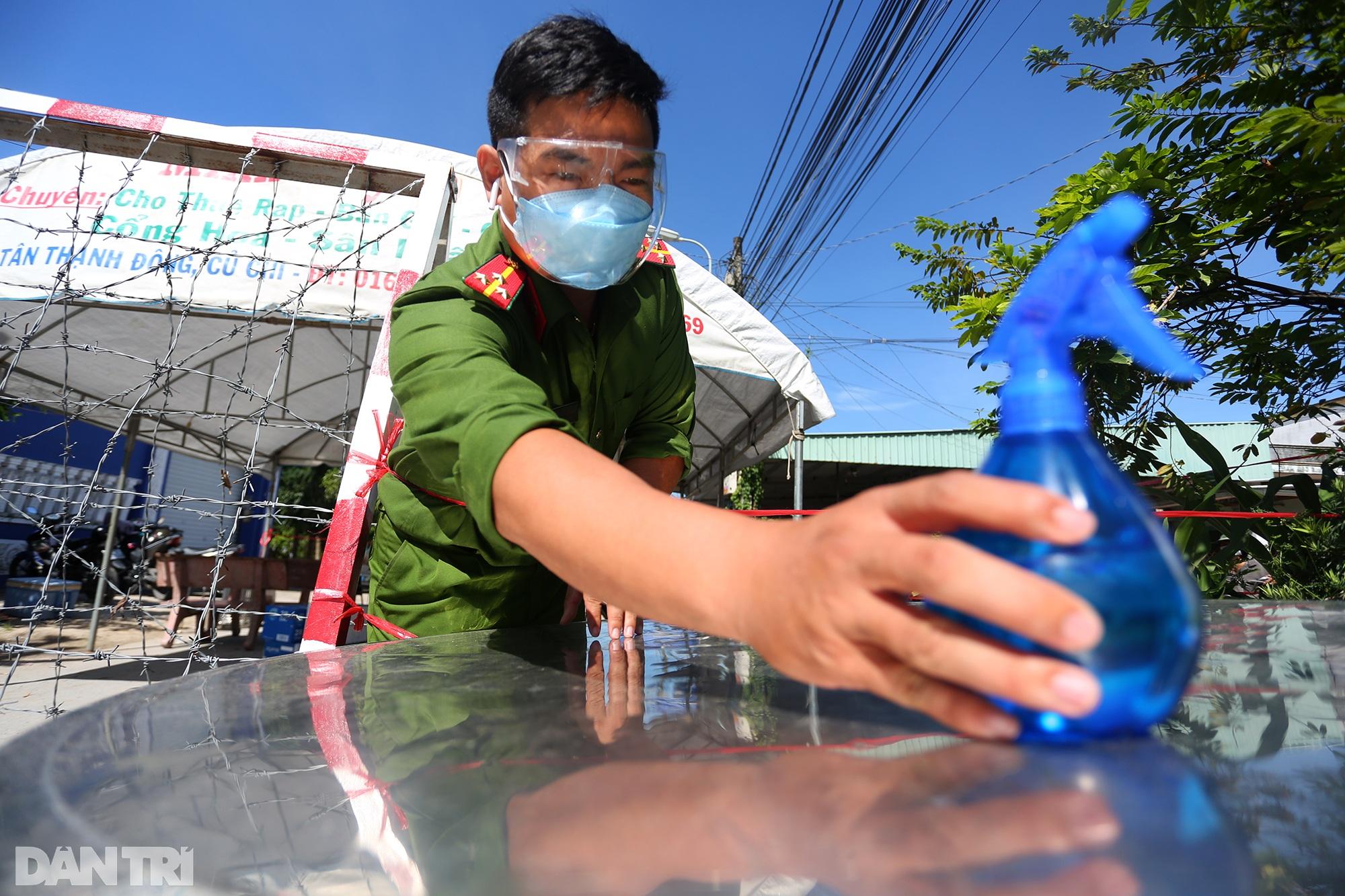 Phong tỏa ổ dịch có 16 ca nhiễm SARS-CoV-2 trong khu hơn 1.000 dân ở Củ Chi - 8
