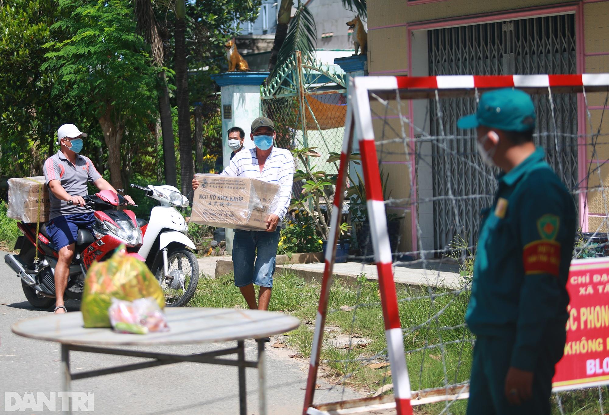 Phong tỏa ổ dịch có 16 ca nhiễm SARS-CoV-2 trong khu hơn 1.000 dân ở Củ Chi - 9