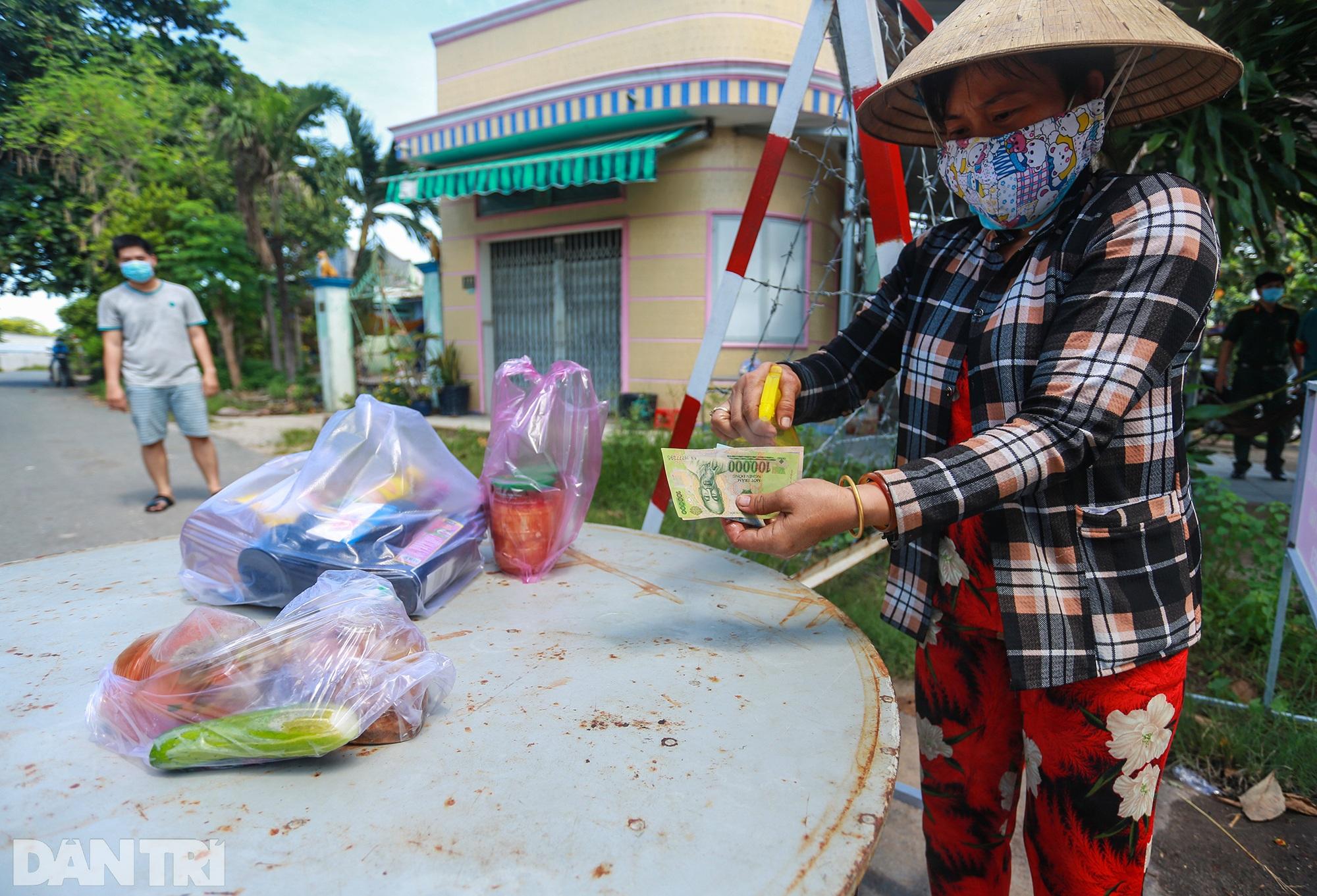 Phong tỏa ổ dịch có 16 ca nhiễm SARS-CoV-2 trong khu hơn 1.000 dân ở Củ Chi - 12