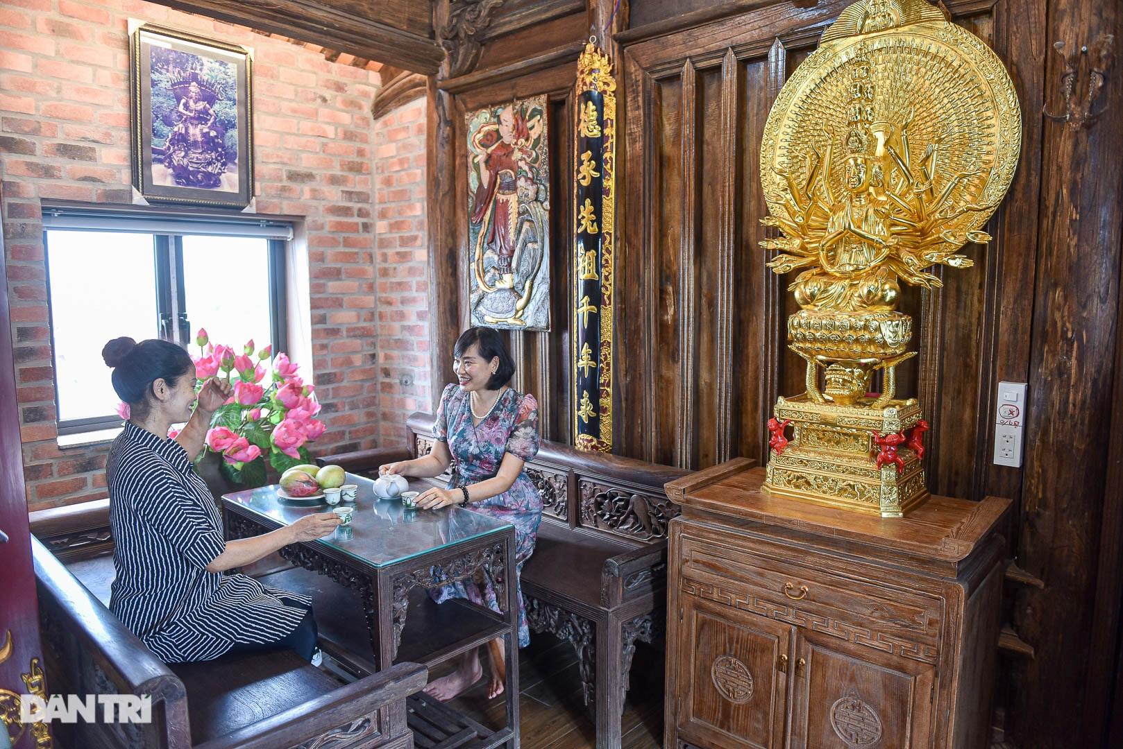 Độc đáo ngôi nhà cổ trăm tuổi rộng 100m2 tọa lạc trên nóc biệt thự ở Hà Nội - 12