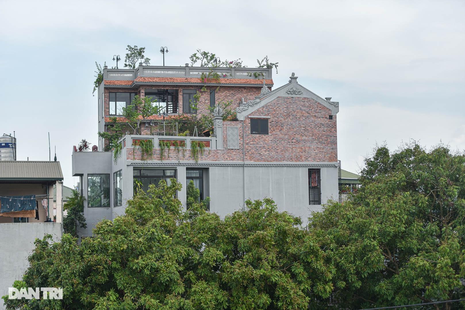 Độc đáo ngôi nhà cổ trăm tuổi rộng 100m2 tọa lạc trên nóc biệt thự ở Hà Nội - 8