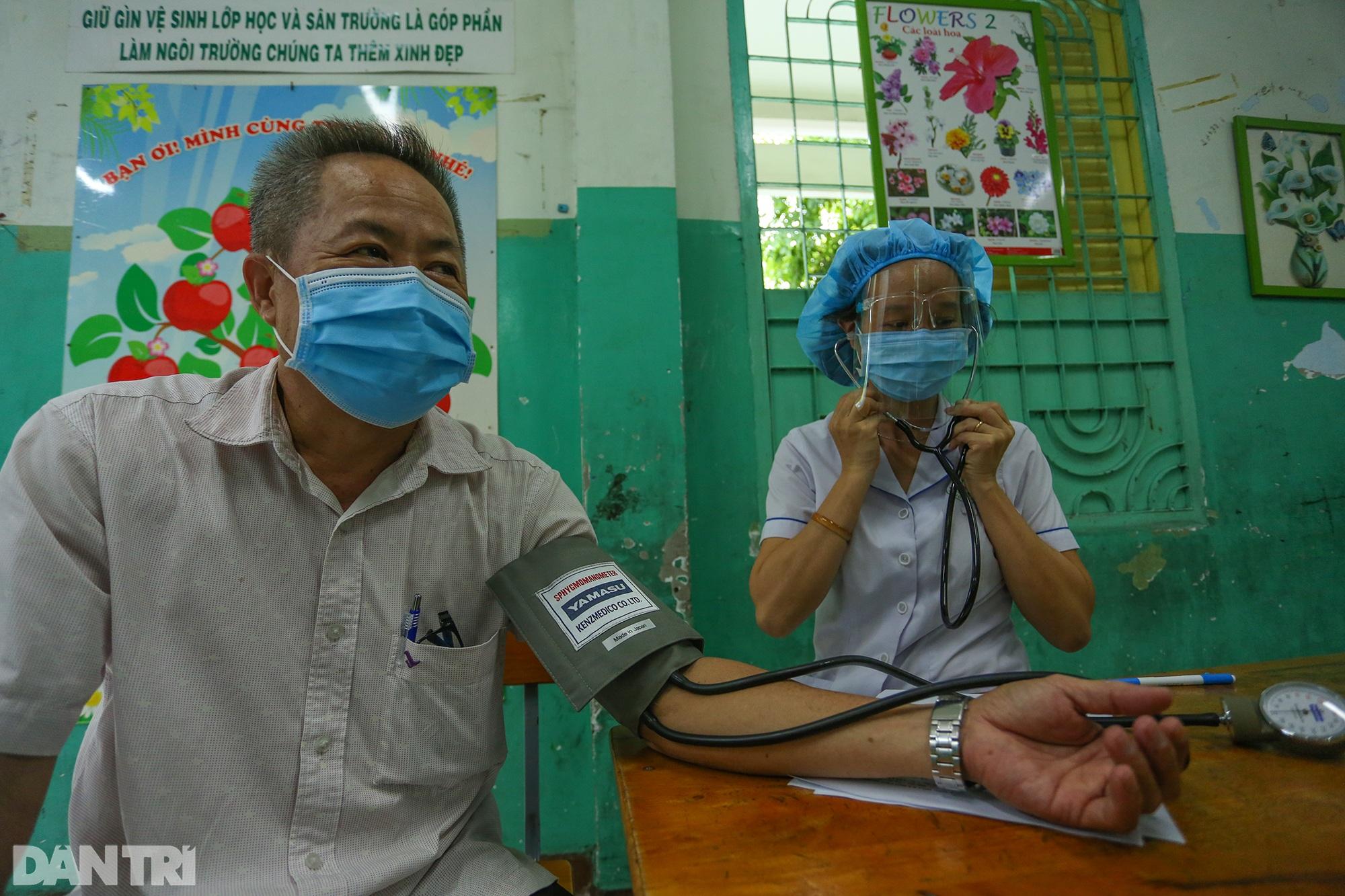 TPHCM dùng trường học, nhà thi đấu để tiêm vắc xin Covid-19 cho 1 triệu dân - 10