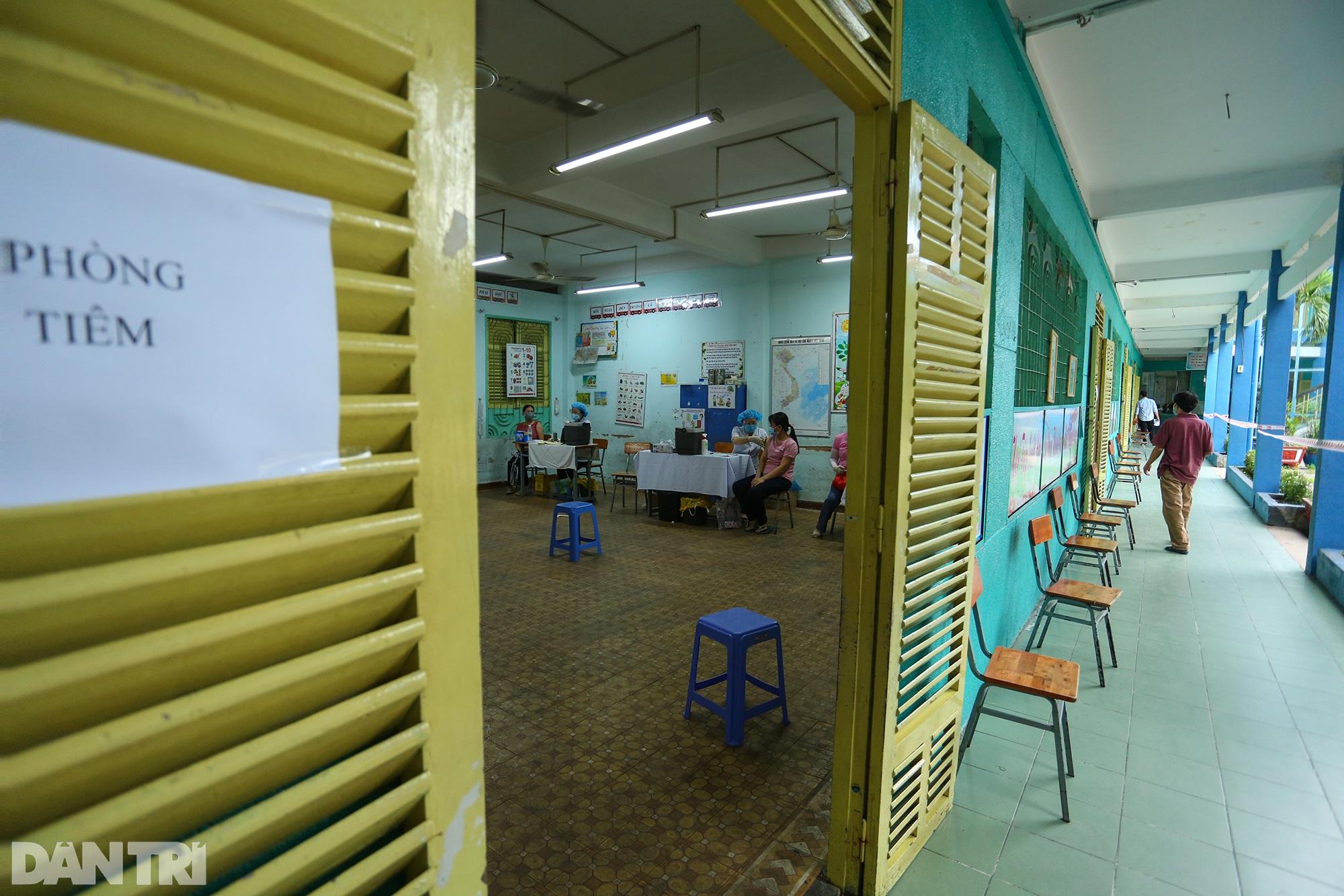 TPHCM dùng trường học, nhà thi đấu để tiêm vắc xin Covid-19 cho 1 triệu dân - 11
