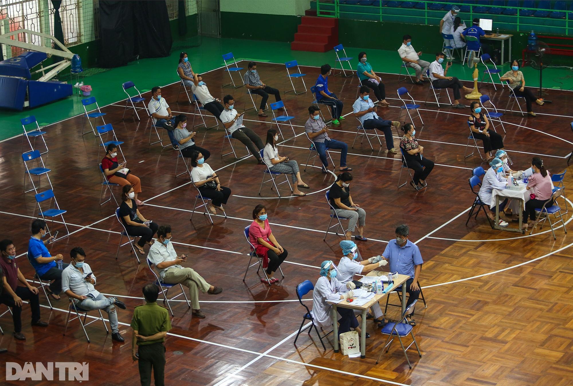 TPHCM dùng trường học, nhà thi đấu để tiêm vắc xin Covid-19 cho 1 triệu dân - 6