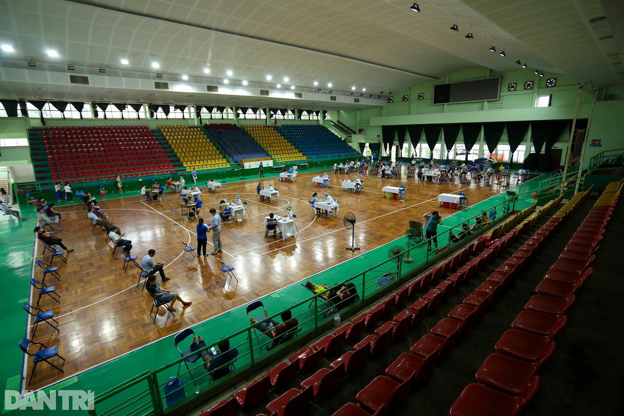 TPHCM dùng trường học, nhà thi đấu để tiêm vắc xin Covid-19 cho 1 triệu dân - 7