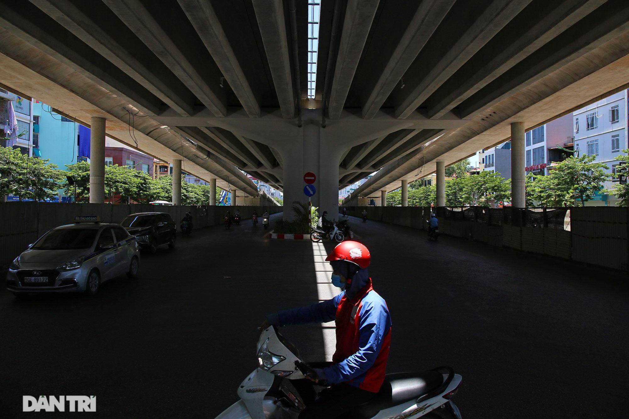 Con đường mát mẻ dài nhất Hà Nội giữa những ngày nắng nóng đỉnh điểm - 7