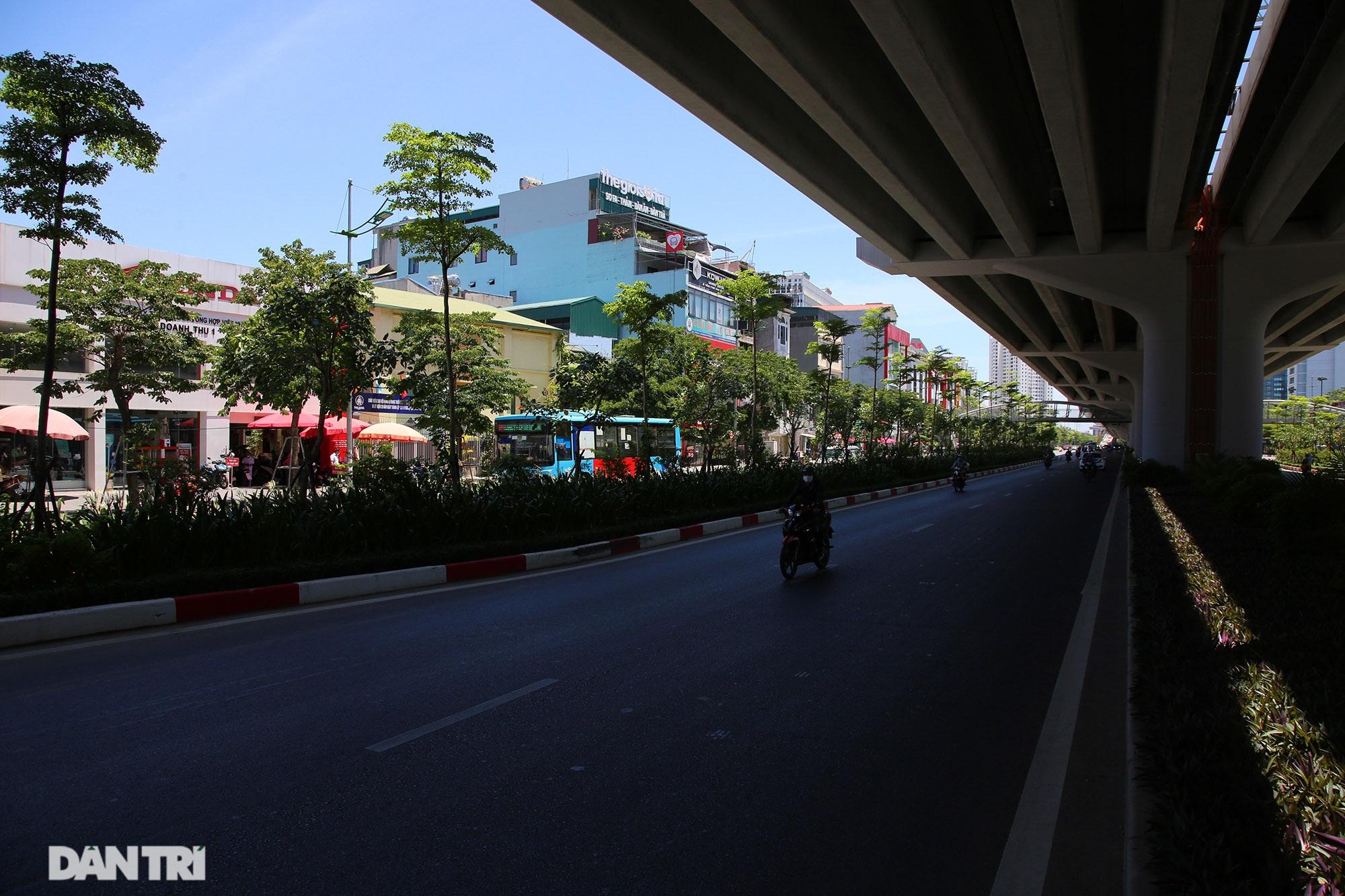 Con đường mát mẻ dài nhất Hà Nội giữa những ngày nắng nóng đỉnh điểm - 8