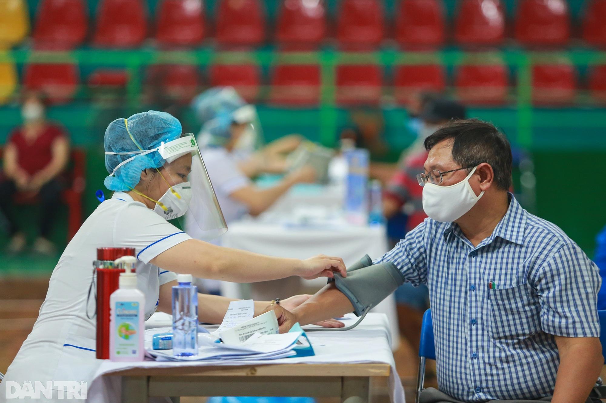 TPHCM dùng trường học, nhà thi đấu để tiêm vắc xin Covid-19 cho 1 triệu dân - 3