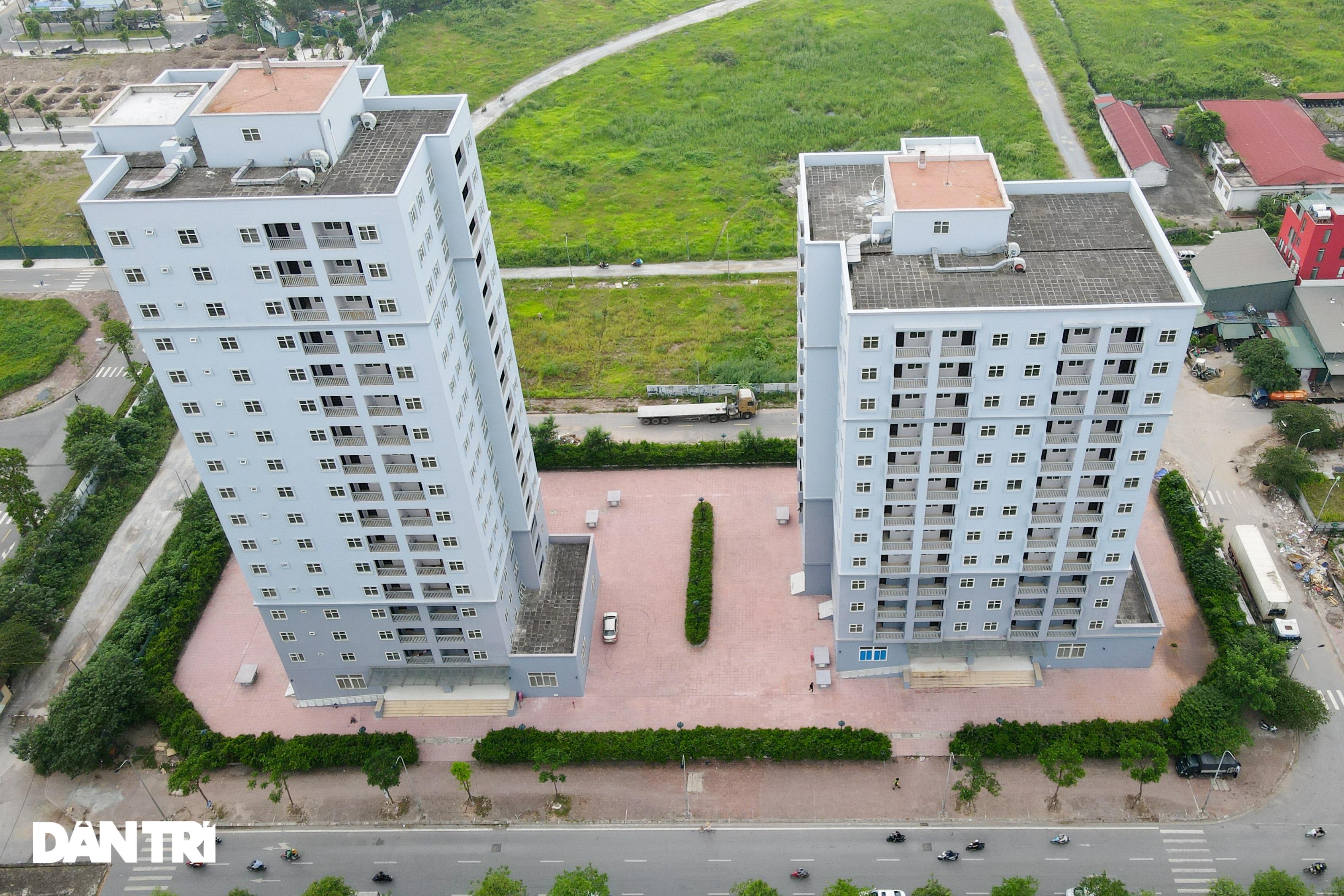 Xót xa hàng loạt khu chung cư cao tầng ở Hà Nội bị bỏ hoang nhiều năm - 2