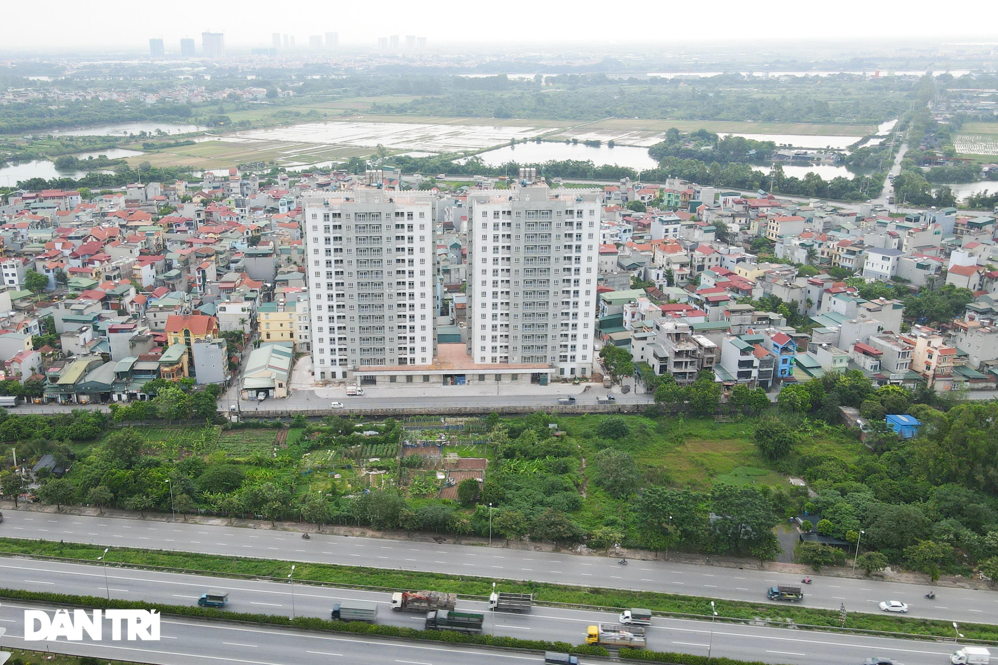 Xót xa hàng loạt khu chung cư cao tầng ở Hà Nội bị bỏ hoang nhiều năm - 5