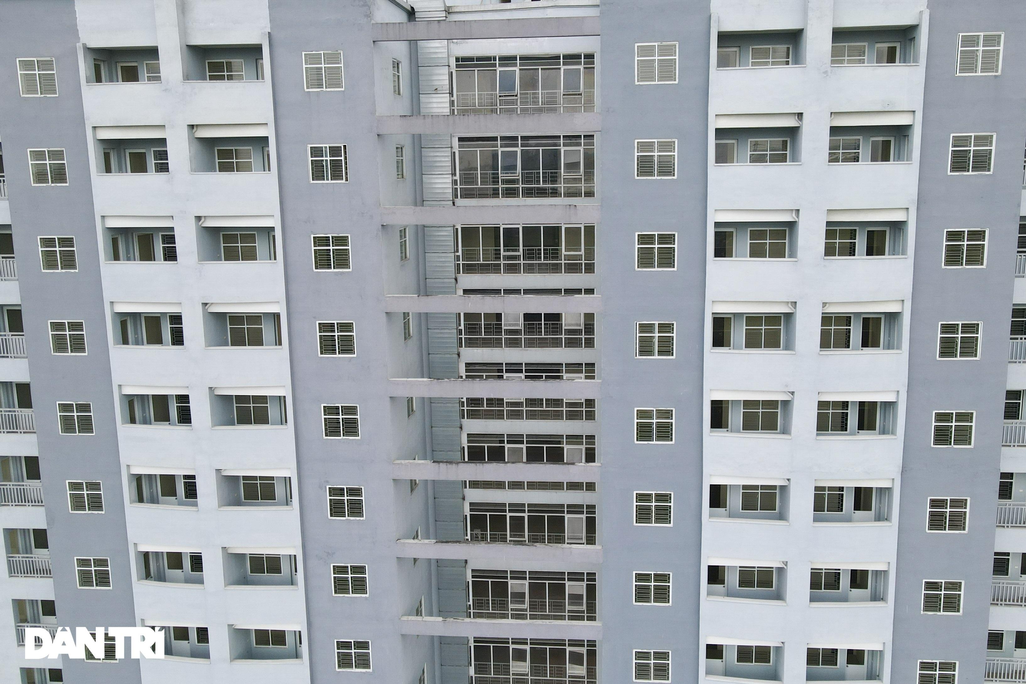 Xót xa hàng loạt khu chung cư cao tầng ở Hà Nội bị bỏ hoang nhiều năm - 4