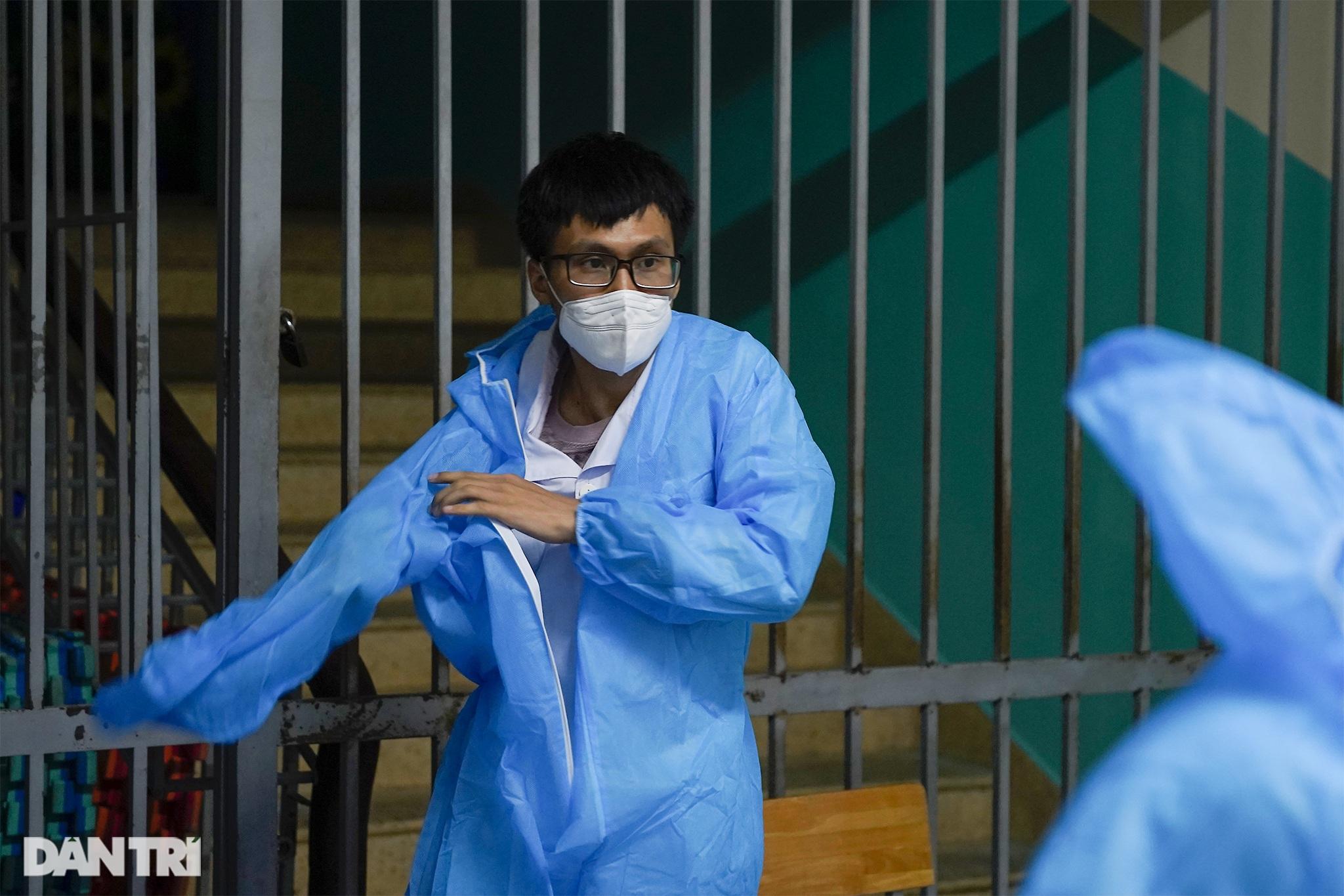 Theo chân 300 sinh viên Hải Dương giúp TPHCM chống dịch giữa ồn ào dư luận - 6