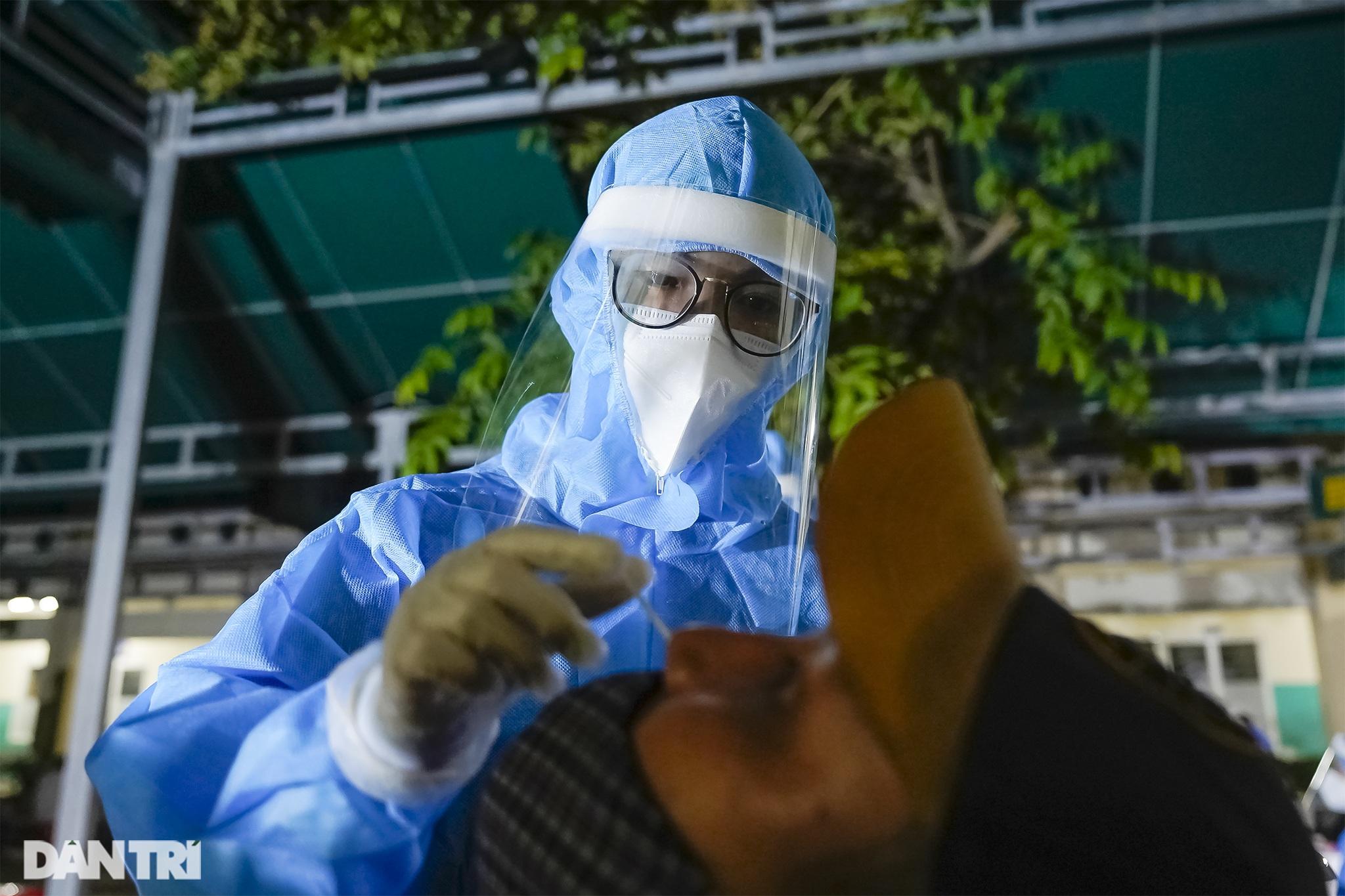 Theo chân 300 sinh viên Hải Dương giúp TPHCM chống dịch giữa ồn ào dư luận - 7