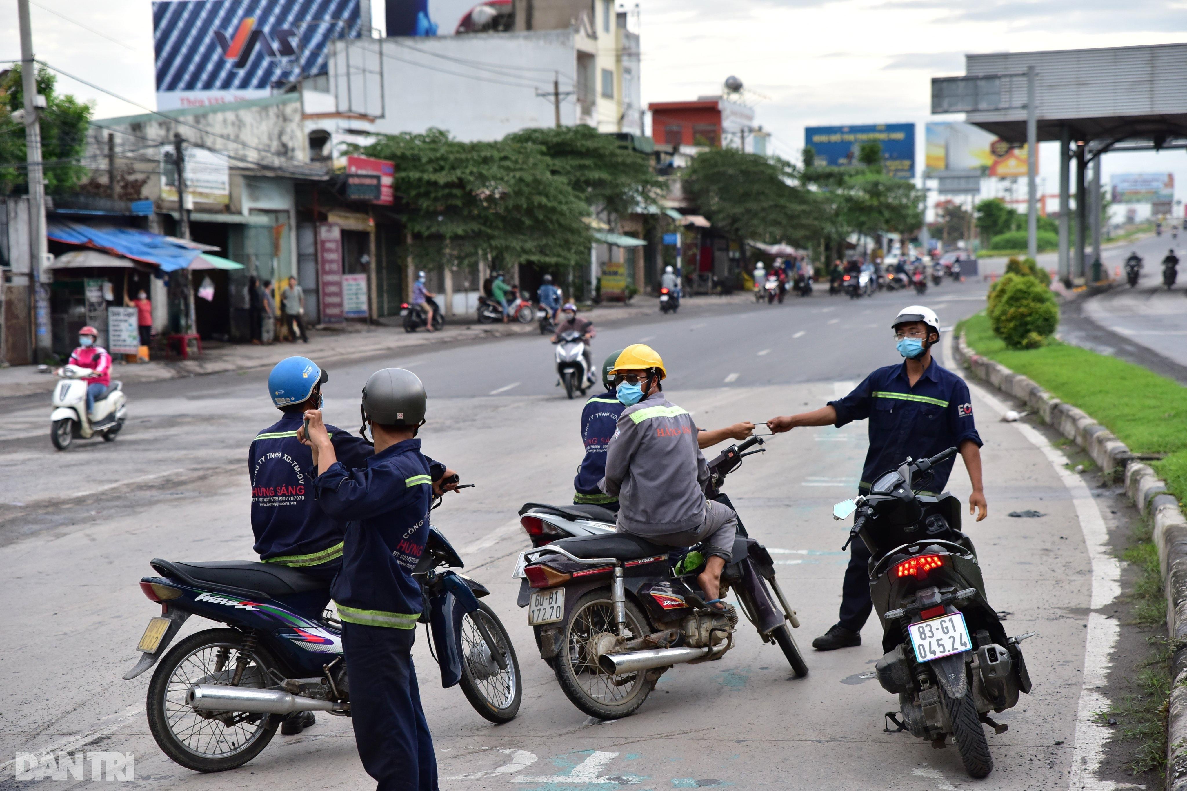 Người dân khăn gói hành lý ùn ùn rời Sài Gòn ngay trước giờ G - 5