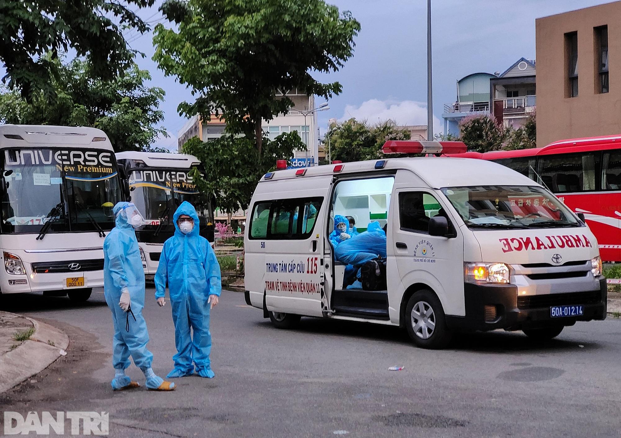 Cận cảnh 3 khu chung cư ở TPHCM được trưng dụng làm bệnh viện dã chiến - 10