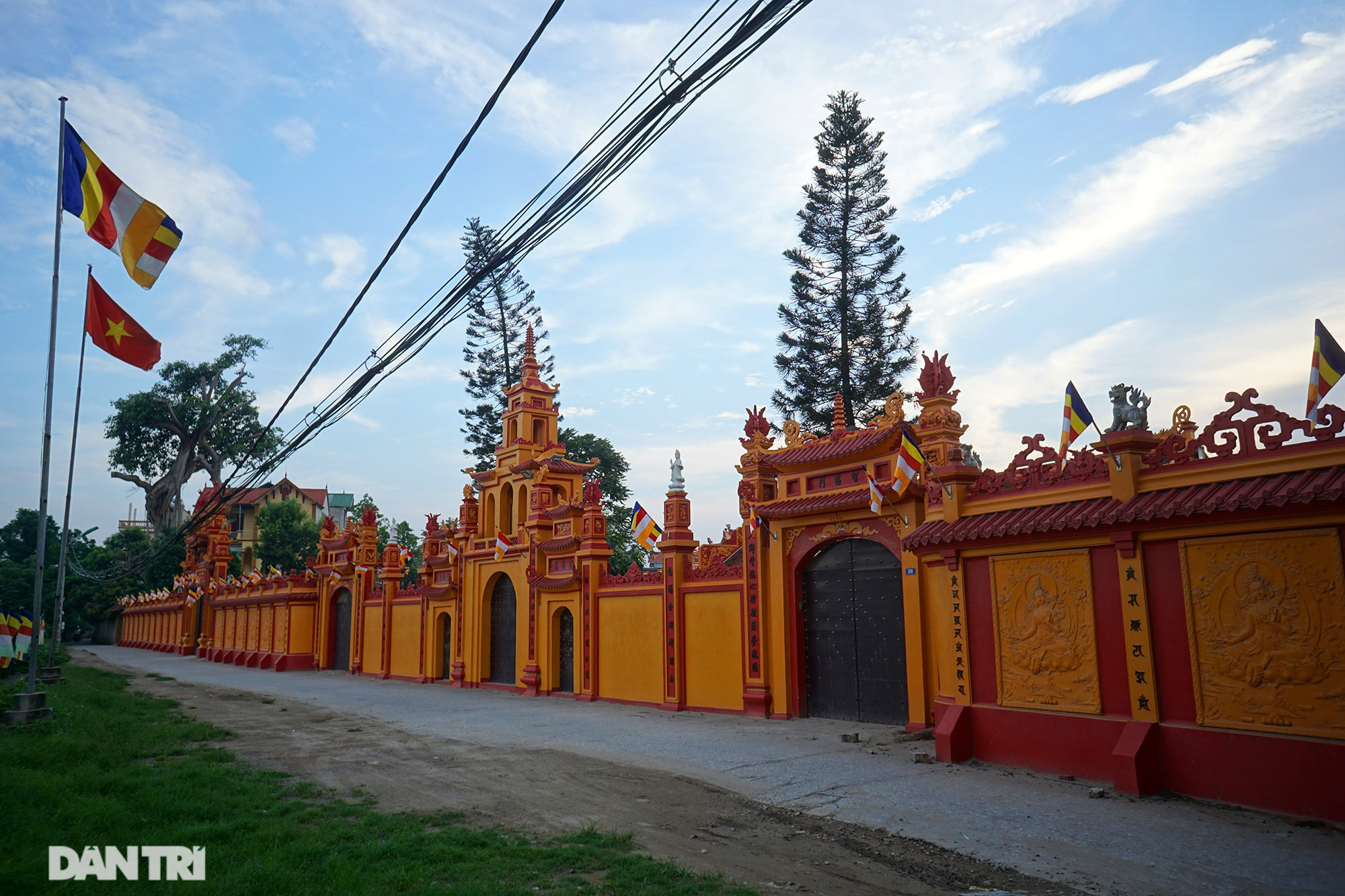 The famous and rich thousand-year-old ancient village is now a rare treasure in Hanoi - 2