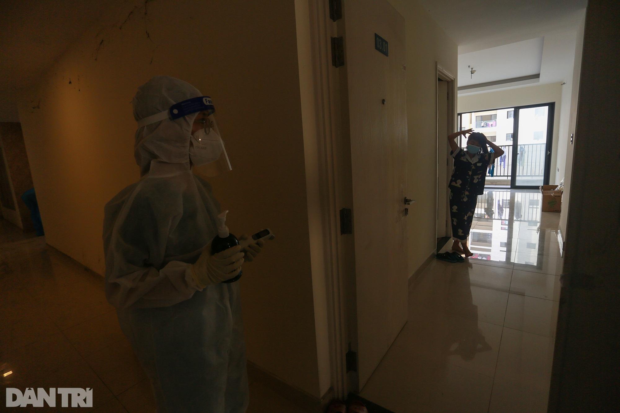 Một ngày bên trong Bệnh viện dã chiến lớn nhất TPHCM đang điều trị 3.400 F0 - 8