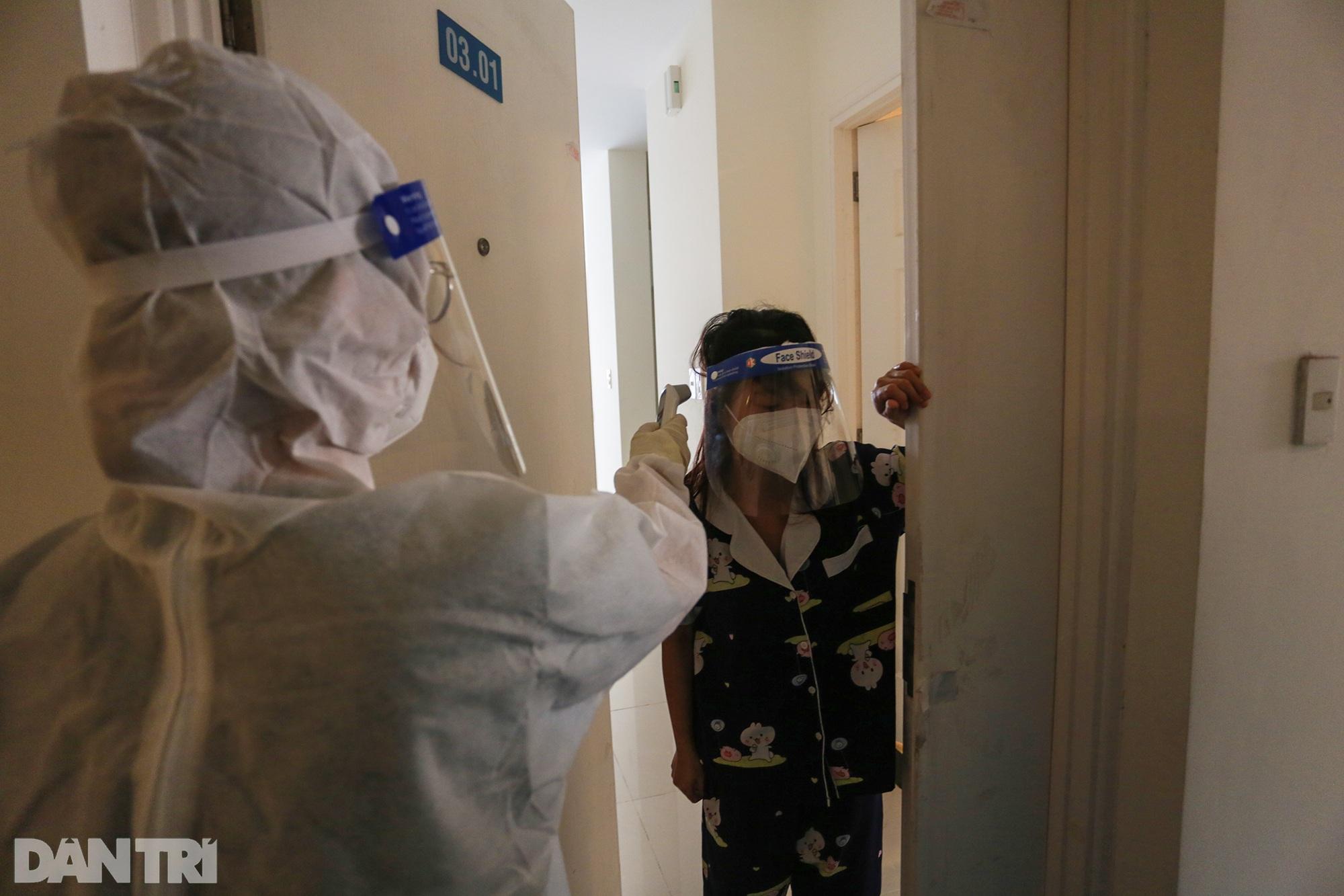 Một ngày bên trong Bệnh viện dã chiến lớn nhất TPHCM đang điều trị 3.400 F0 - 9
