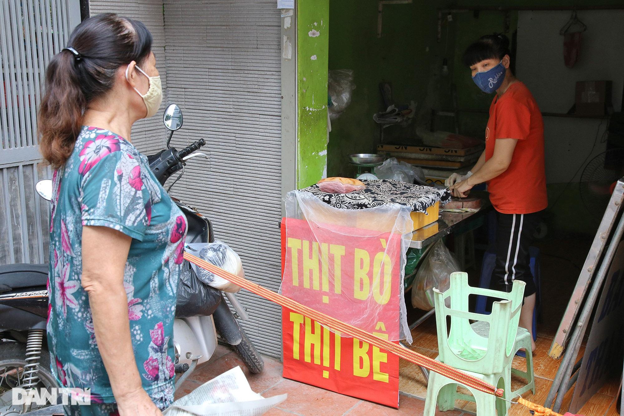 Hà Nội ngày đầu thực hiện Chỉ thị 16: Đường phố vắng, chợ dân sinh đông đúc - 15