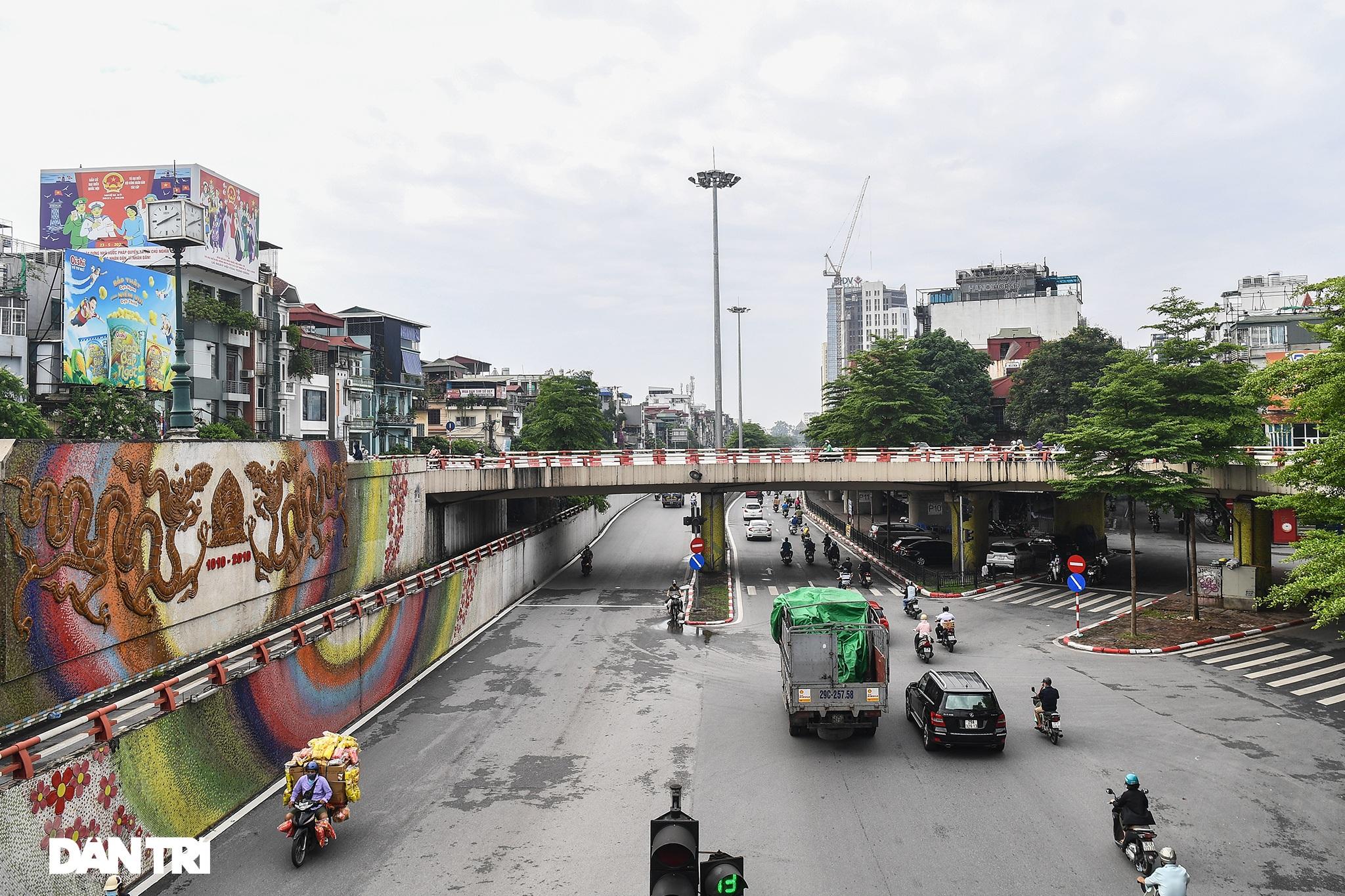 Hà Nội ngày đầu thực hiện Chỉ thị 16: Đường phố vắng, chợ dân sinh đông đúc - 17