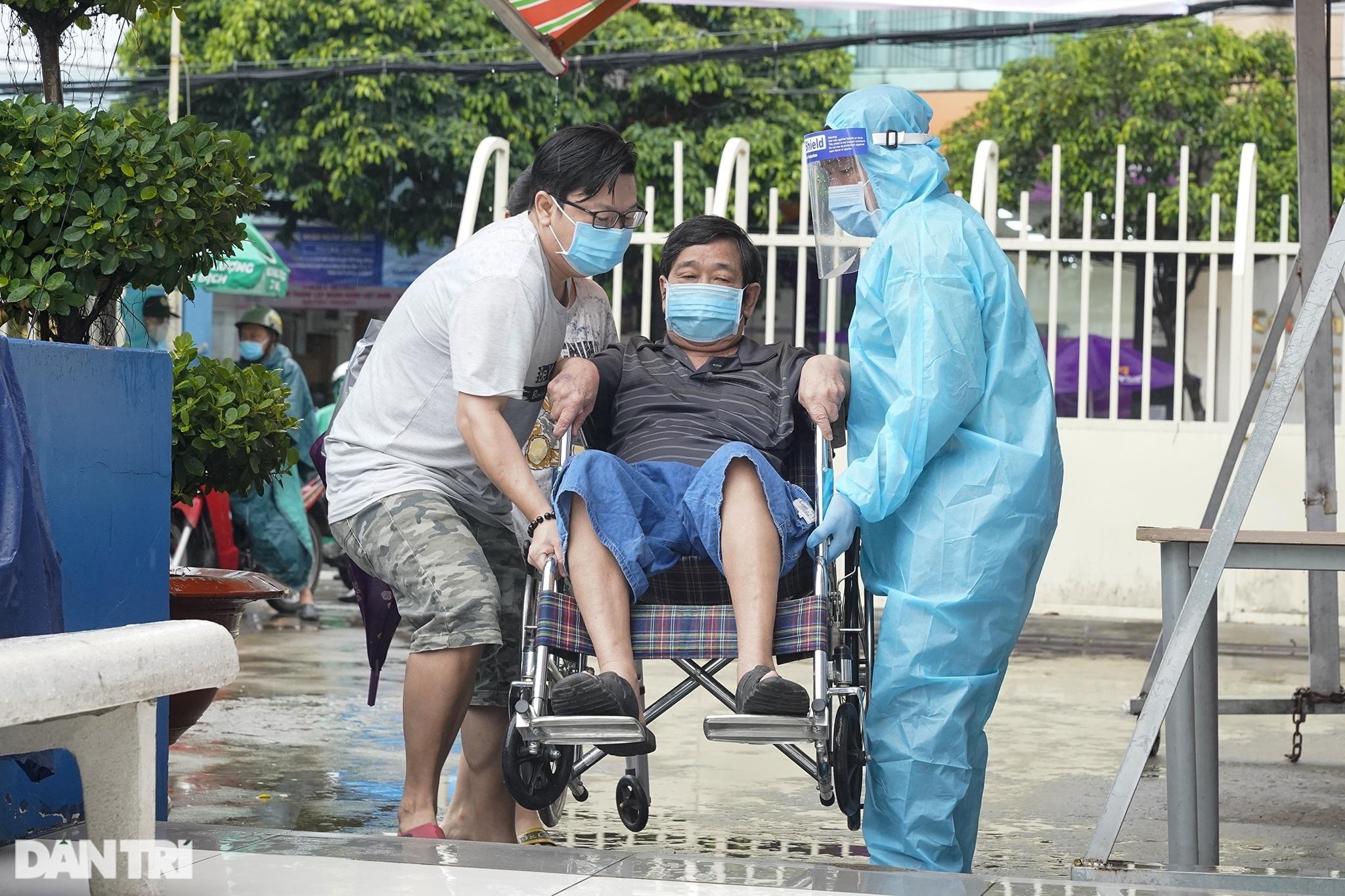 Sài Gòn tĩnh lặng thêm một tuần  vì con virus quái ác - 6