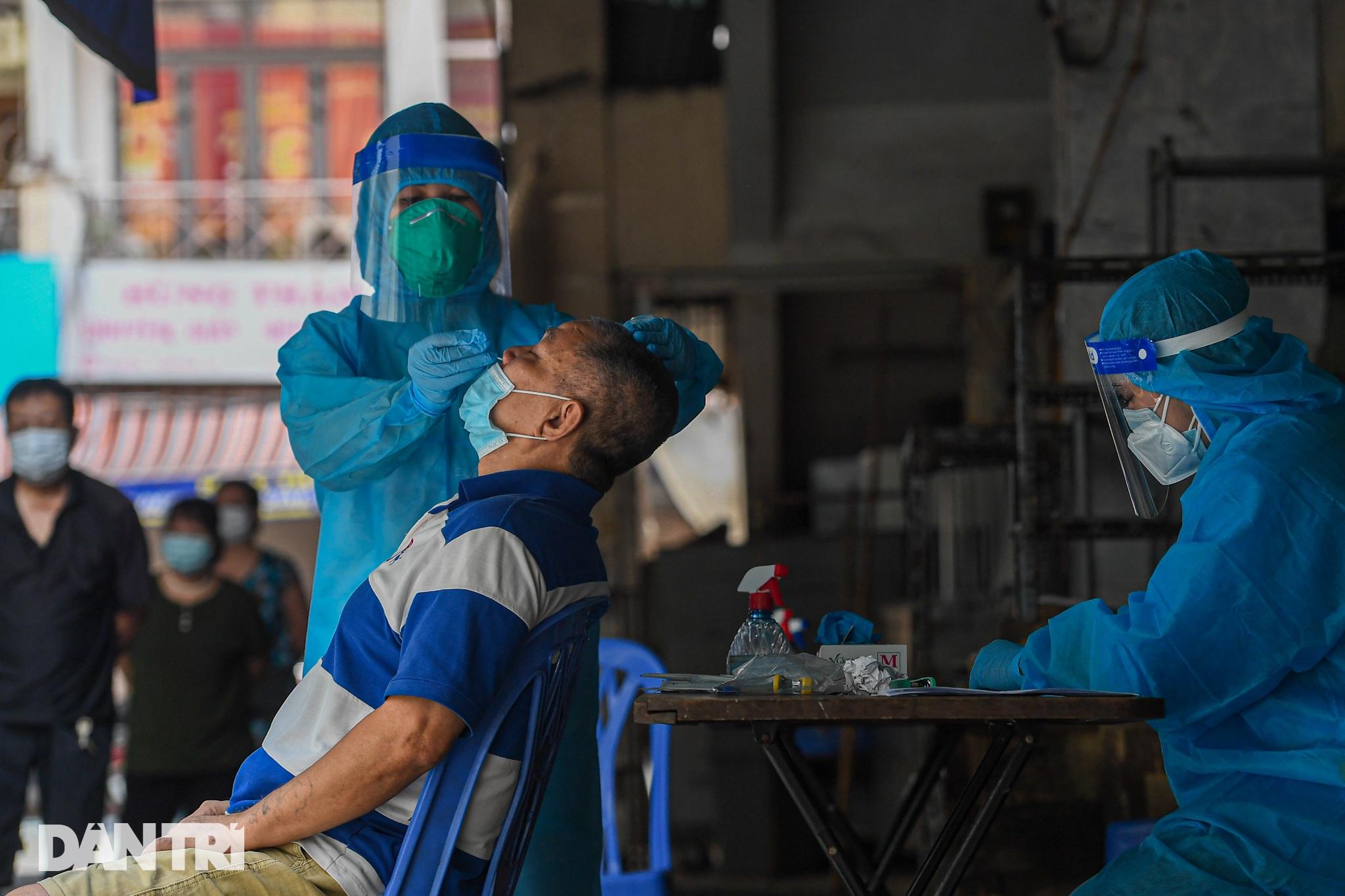 Ảnh: Toàn cảnh Chiến dịch truy vết và phủ vắc xin ngừa Covid-19 tại Hà Nội - 18