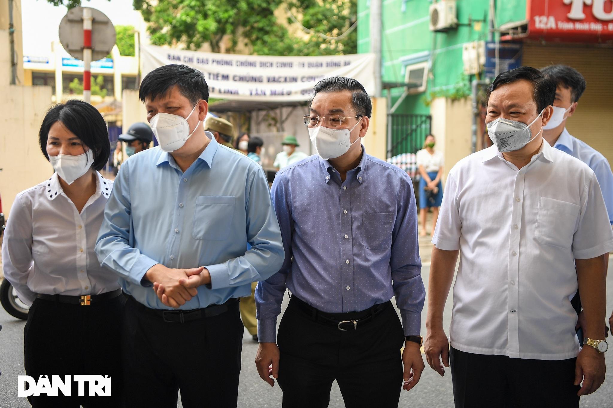 Ảnh: Toàn cảnh Chiến dịch truy vết và phủ vắc xin ngừa Covid-19 tại Hà Nội - 12