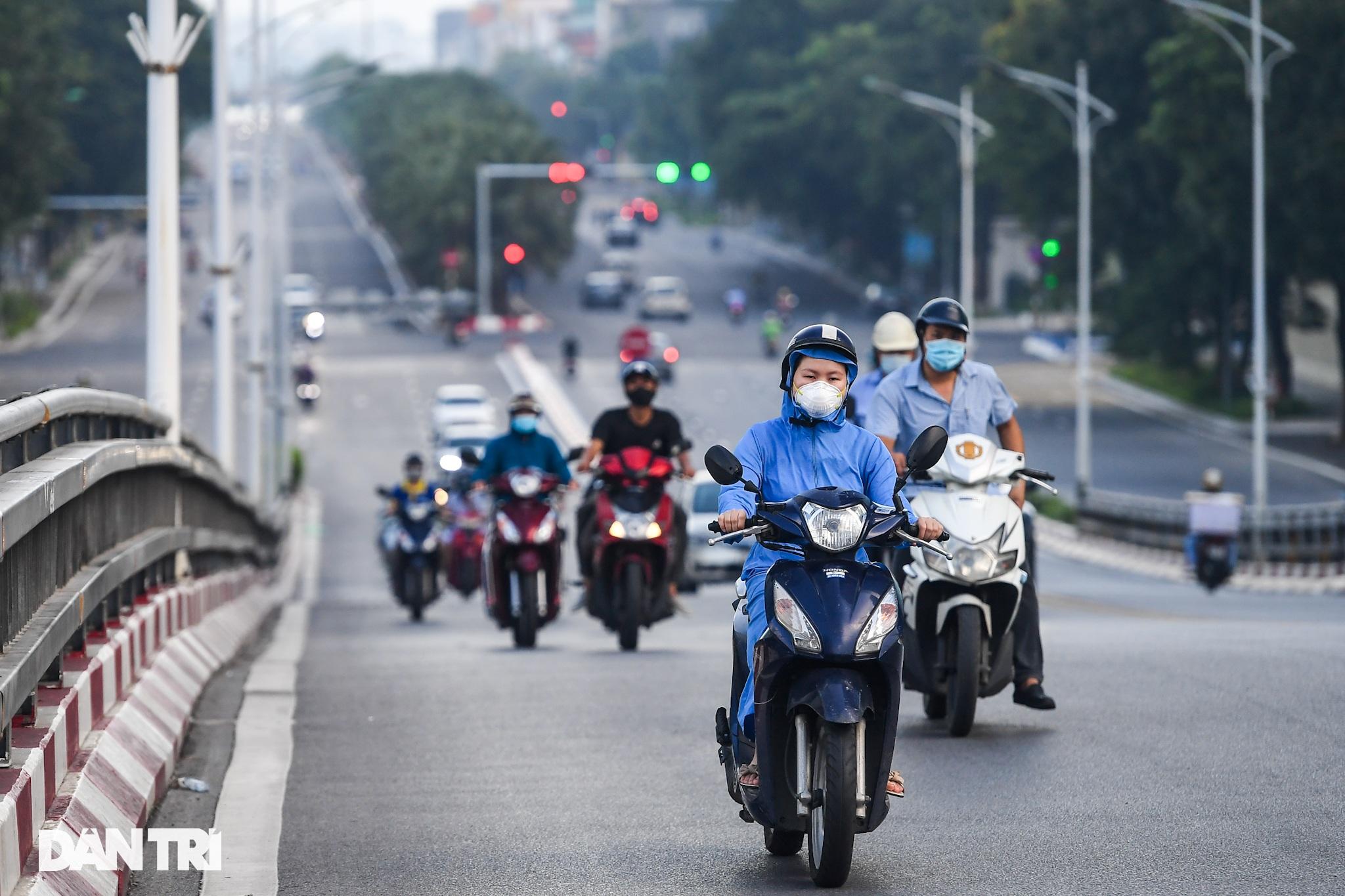 Giao thông vùng xanh ở Hà Nội nhộn nhịp trở lại sau quy định nới lỏng - 10