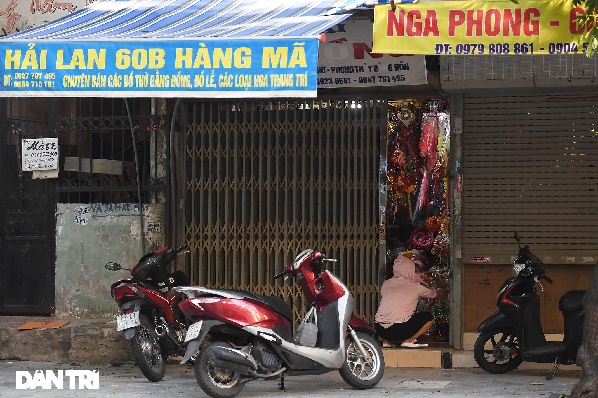 Muôn kiểu cửa khép hờ bán đồ chơi Trung thu ở Hàng Mã - 5