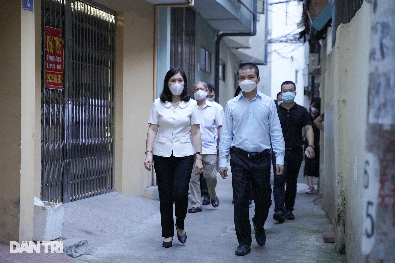 Trao 800 túi an sinh đến lao động tự do gặp khó khăn do dịch bệnh Covid-19 - 12