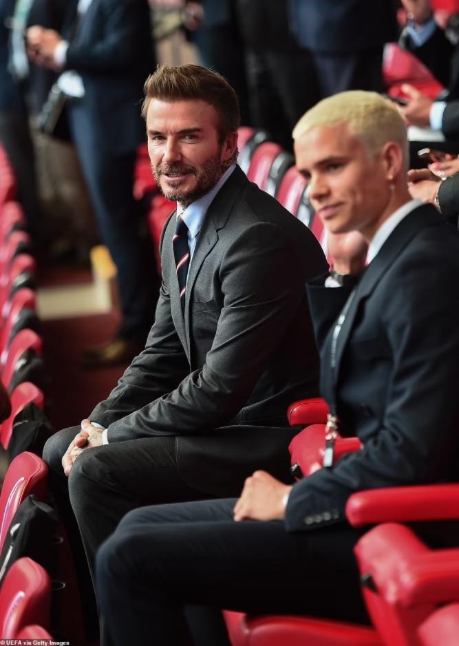 Quý tử nhà David Beckham đá trận bóng chuyên nghiệp đầu tiên - 8