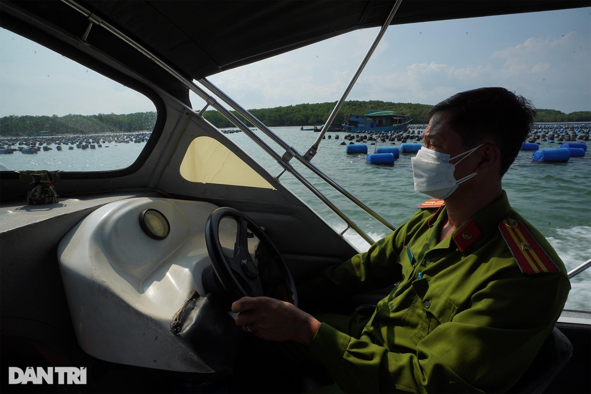 Trắng đêm bảo vệ vùng xanh trên biển tại xã đảo duy nhất ở TPHCM - 9