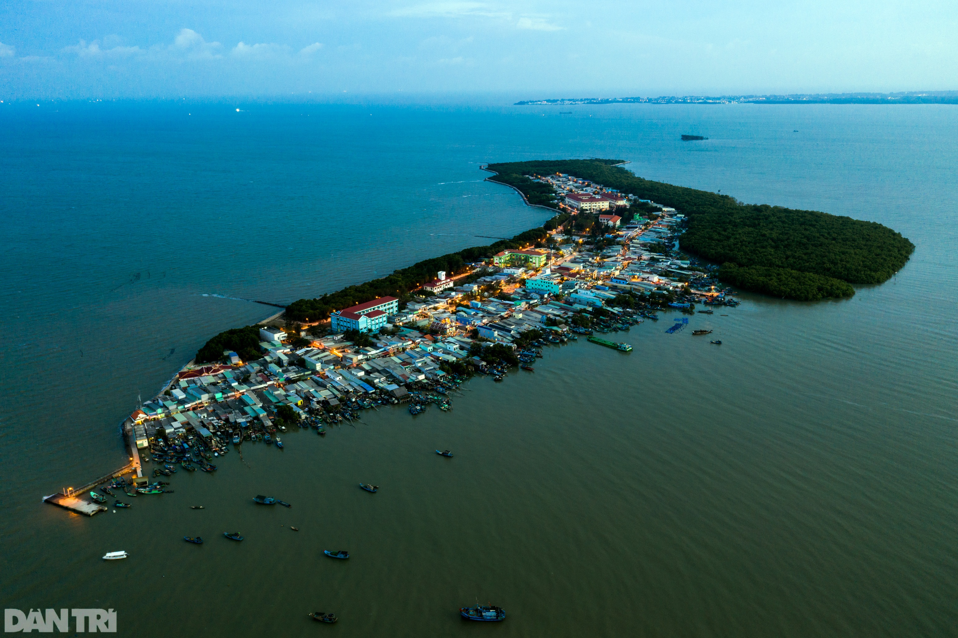 Trắng đêm bảo vệ vùng xanh trên biển tại xã đảo duy nhất ở TPHCM - 16