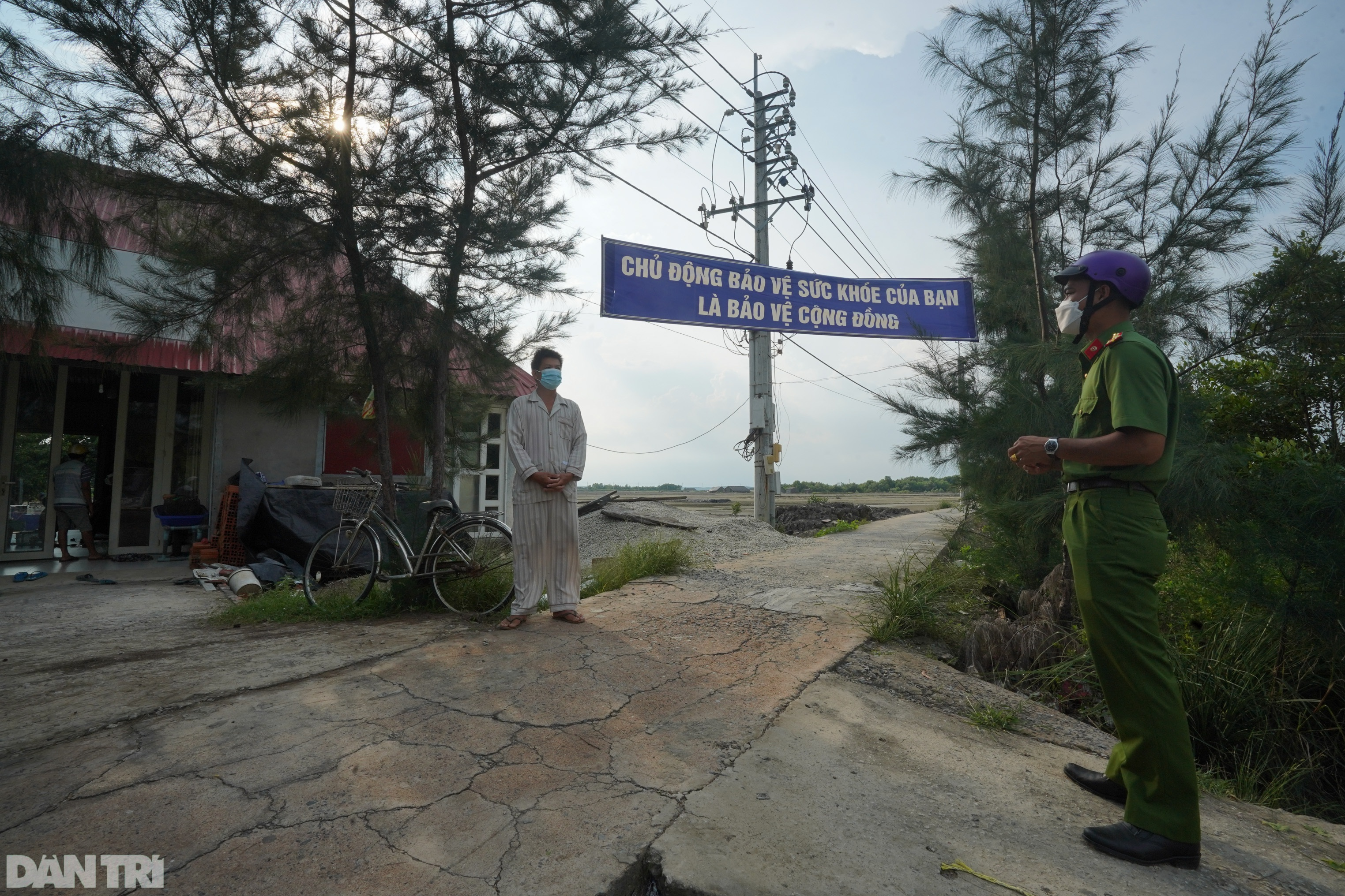 Trắng đêm bảo vệ vùng xanh trên biển tại xã đảo duy nhất ở TPHCM - 13