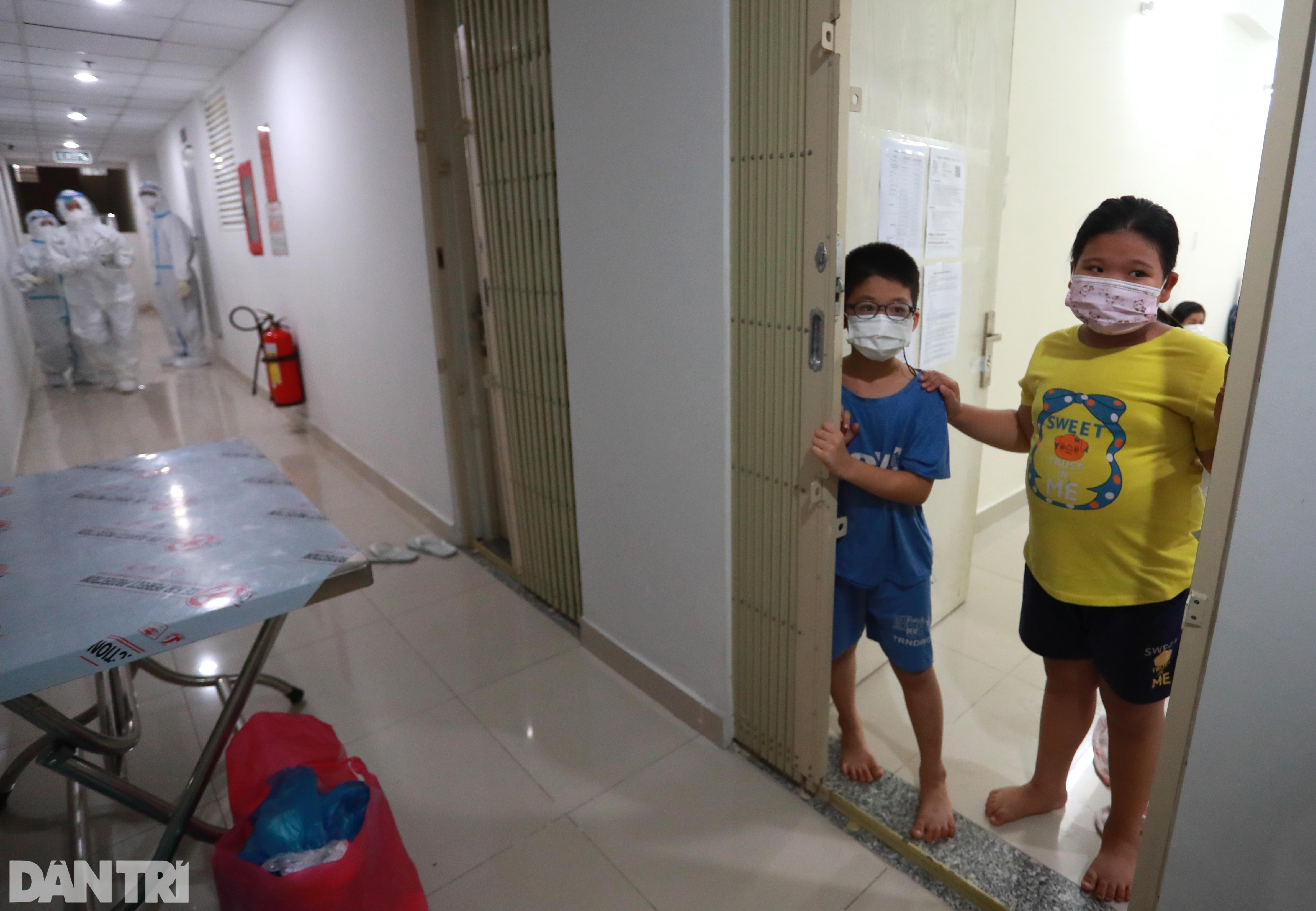 Trung thu đặc biệt cho trẻ em mắc Covid-19 tại Bệnh viện dã chiến ở TPHCM - 2