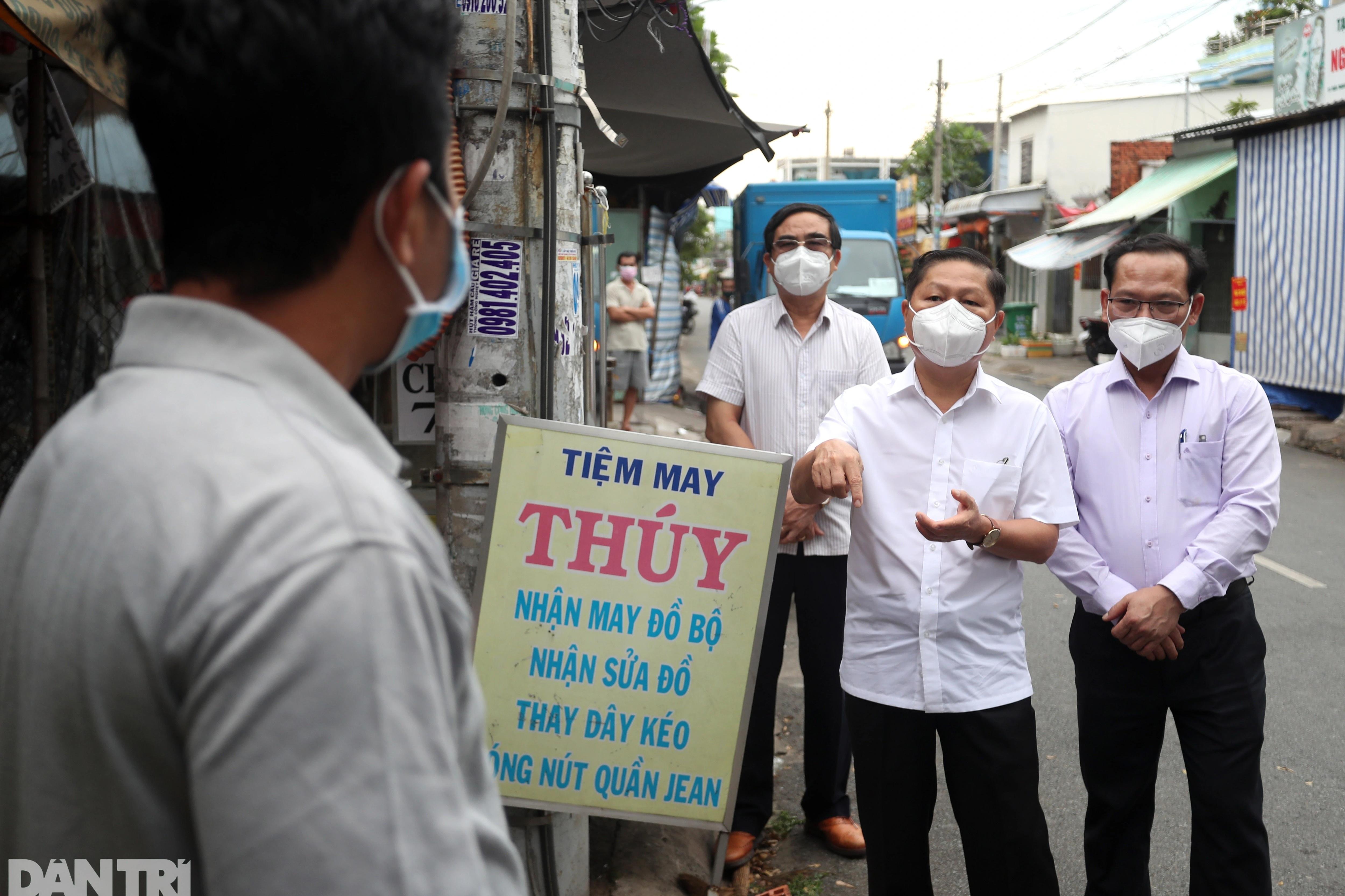 Thứ trưởng Bộ LĐ-TBXH thị sát đời sống người dân tại TPHCM - 7
