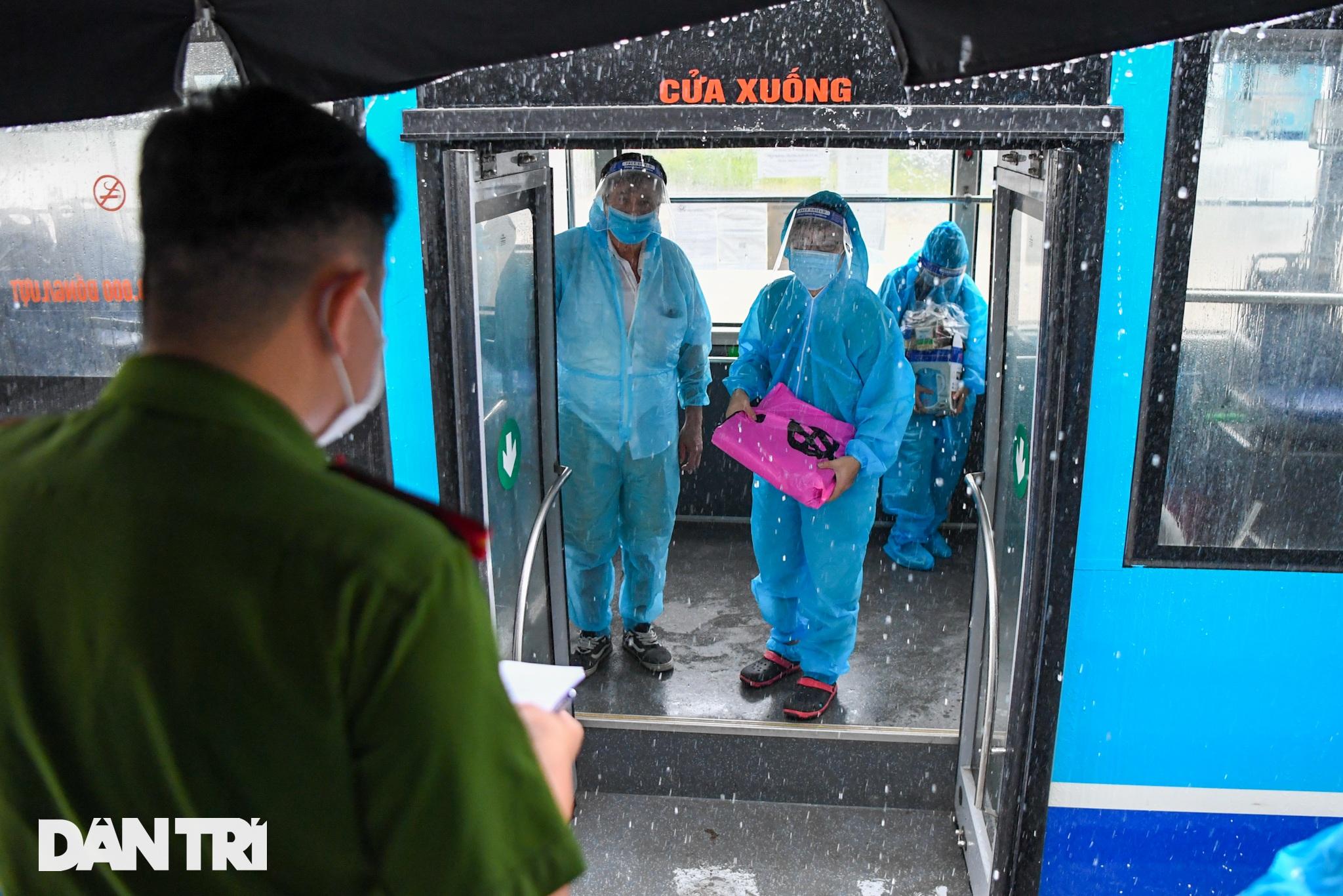 Đón 85 công dân phường Thanh Xuân Trung trở về nhà sau hơn 20 ngày cách ly - 4