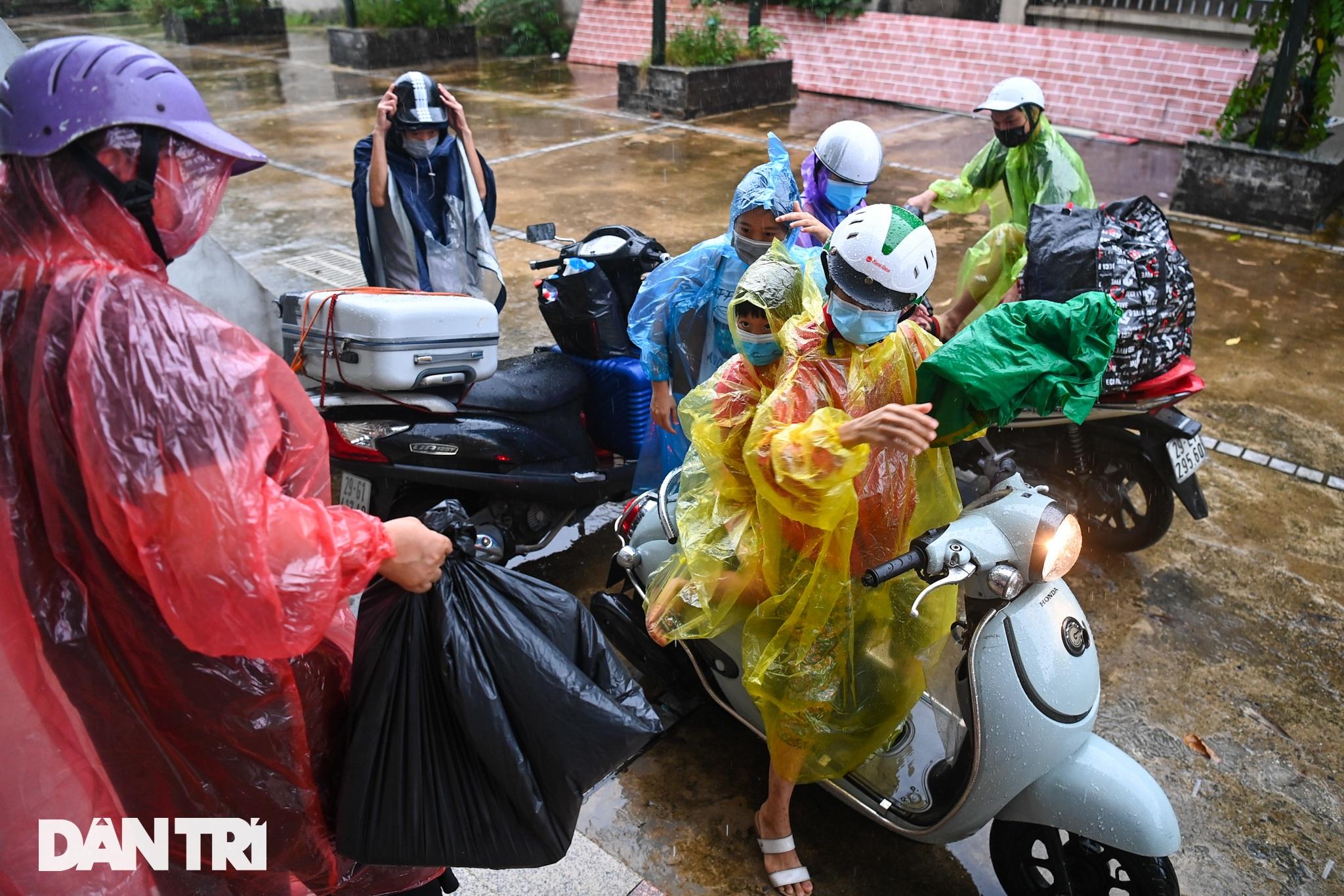 Đón 85 công dân phường Thanh Xuân Trung trở về nhà sau hơn 20 ngày cách ly - 14
