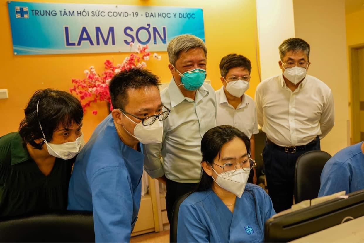 Thứ trưởng Bộ Y tế: Bệnh viện Trung ương sẽ rút từ từ khi TPHCM mở cửa - 2