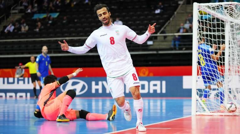Thắng kịch tính Iran, Kazakhstan vào bán kết World Cup futsal - 1
